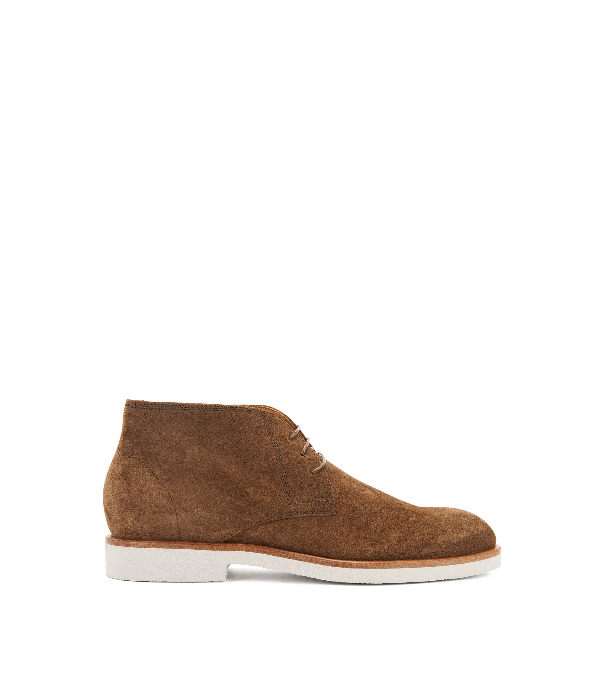 Suede desert boots on a crêpe sole, Khaki