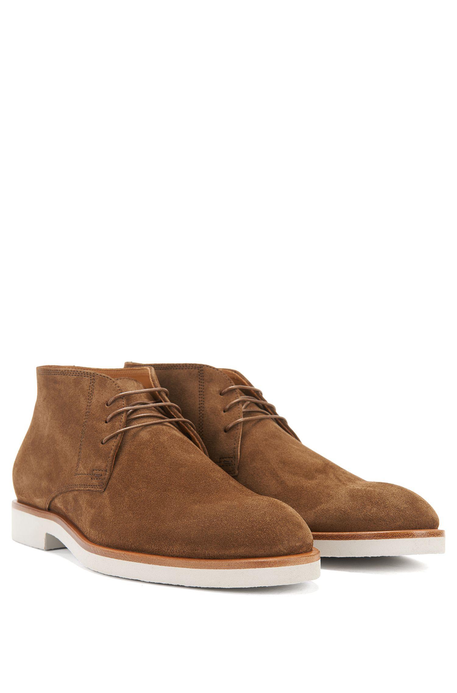 Suede desert boots on a cr</ototo></div>                                   <span></span>                               </div>             <div>                                     <div>                                             <div>                                                     <div>                                                             <div>                                                                     <div>                                                                             <div>                                           Translate                                        </div>                                                                             <ul>                                                                                     <li>                                             English                                         </li>                                                                                     <li>                                             Spanish                                         </li>                                                                                     <li>                                             Chinese                                         </li>                                                                                     <li>                                             French                                         </li>                                                                                     <li>                                             German                                         </li>                                                                                     <li>                                             Korean                                         </li>                                                                                     <li>                                             Lao                                         </li>    