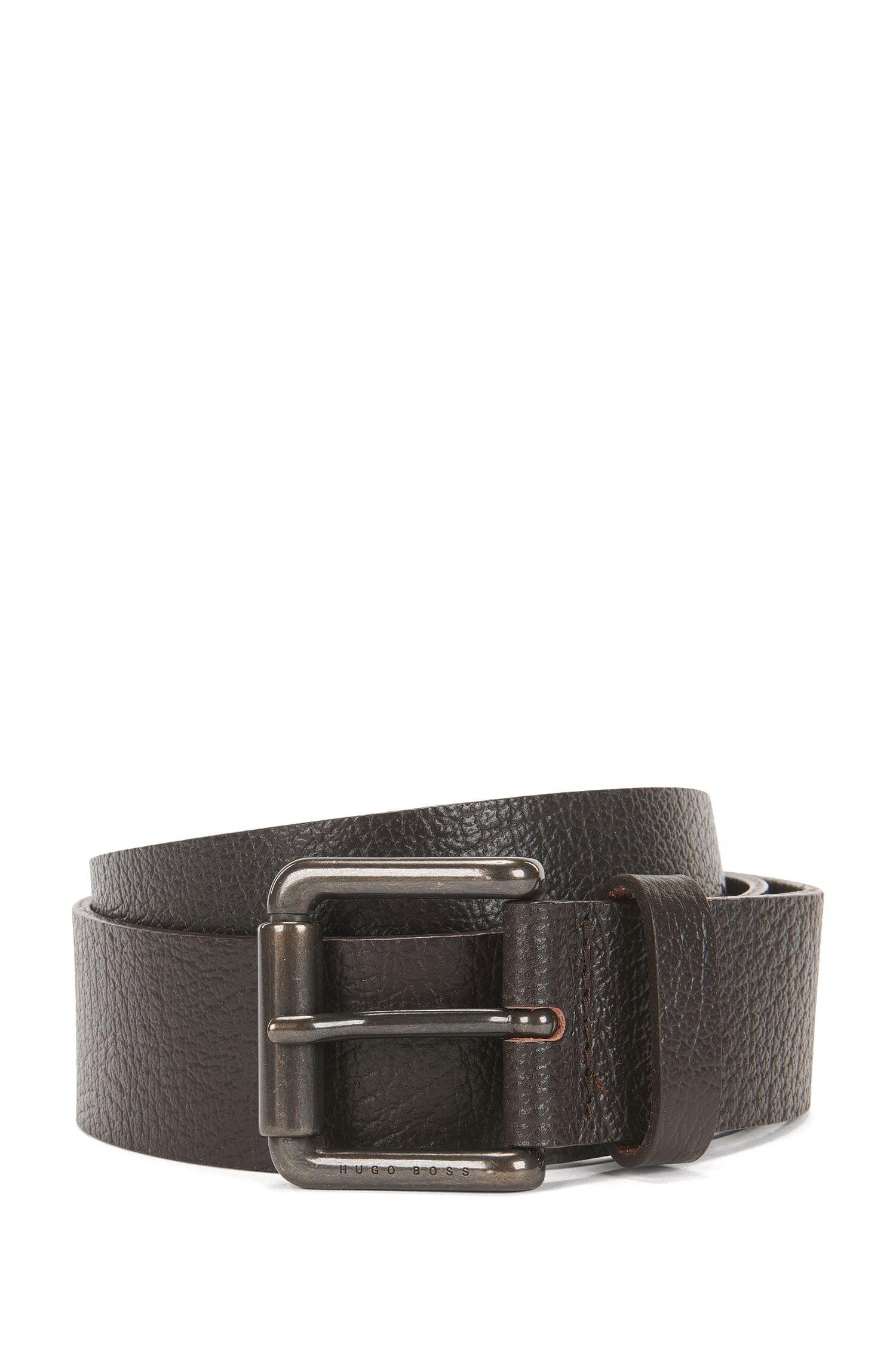 Cinturón de piel granulada con hebilla corredera de metal pesado