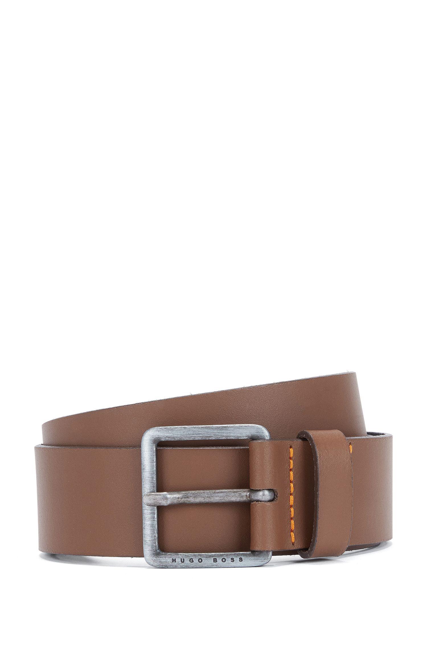 Cinturón de piel con costuras de la marca