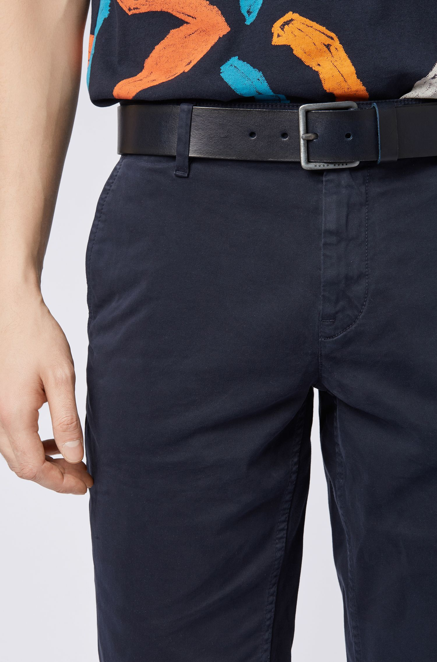 Cintura in pelle con impunture caratteristiche, Blu scuro
