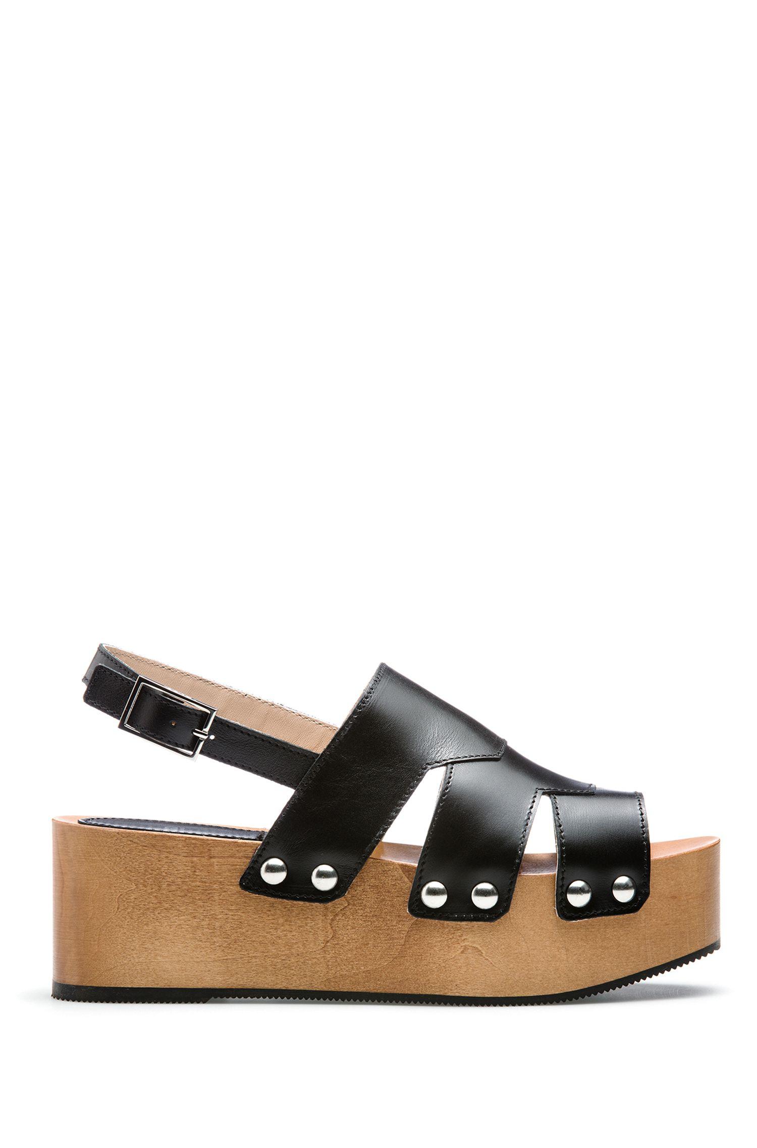 Sandales cloutées en cuir à plateforme