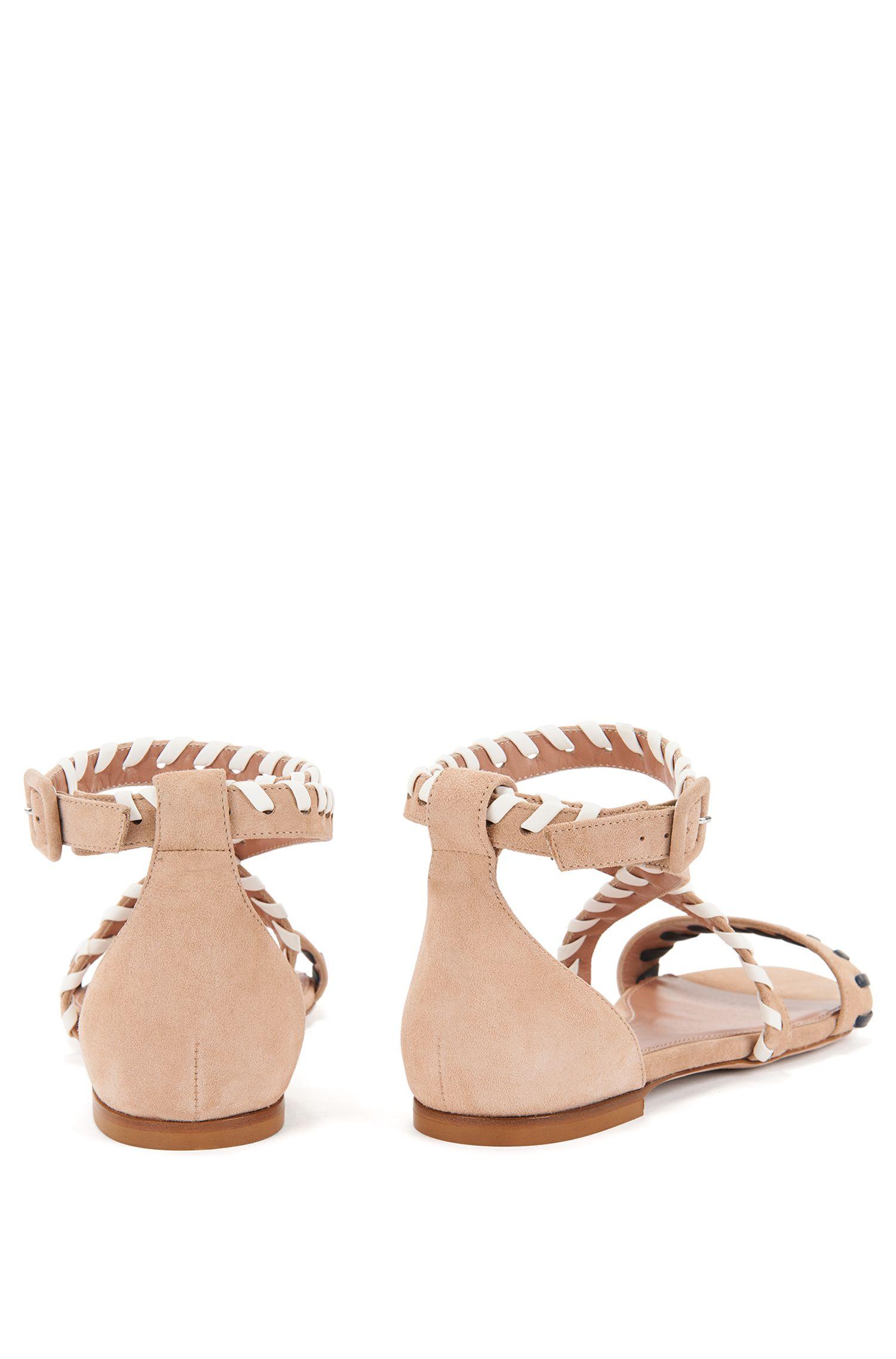 Sandalias planas de ante con pespuntes
