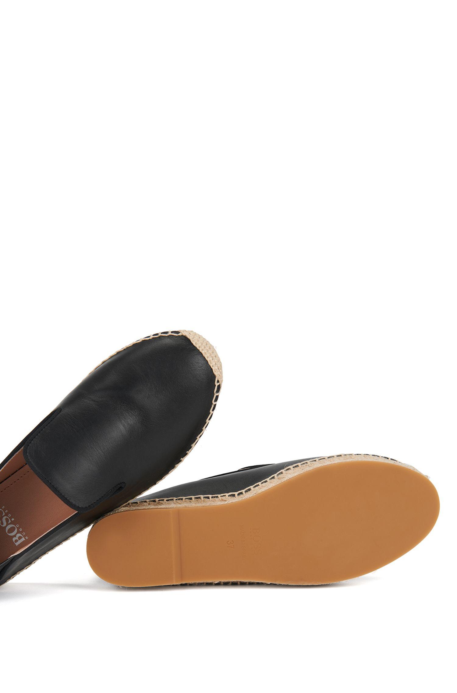 Zapatillas de esparto y piel con talón regulable