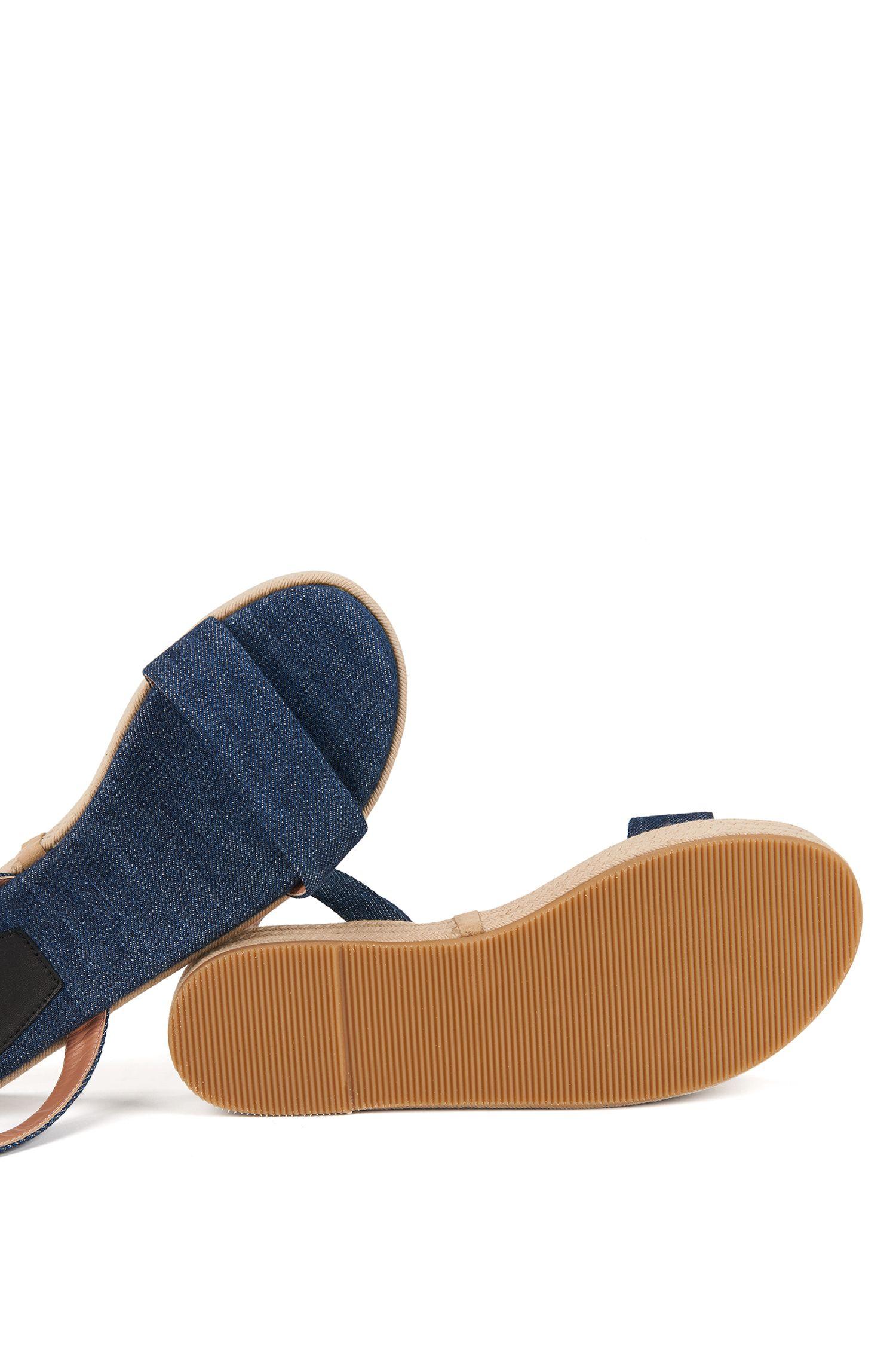 Plateau-Sandalen aus weichem Denim