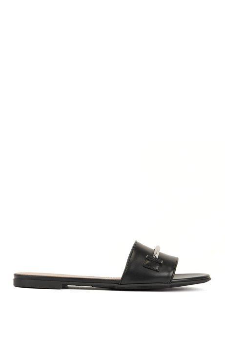 Sandalias con detalles metálicos en piel italiana, Negro