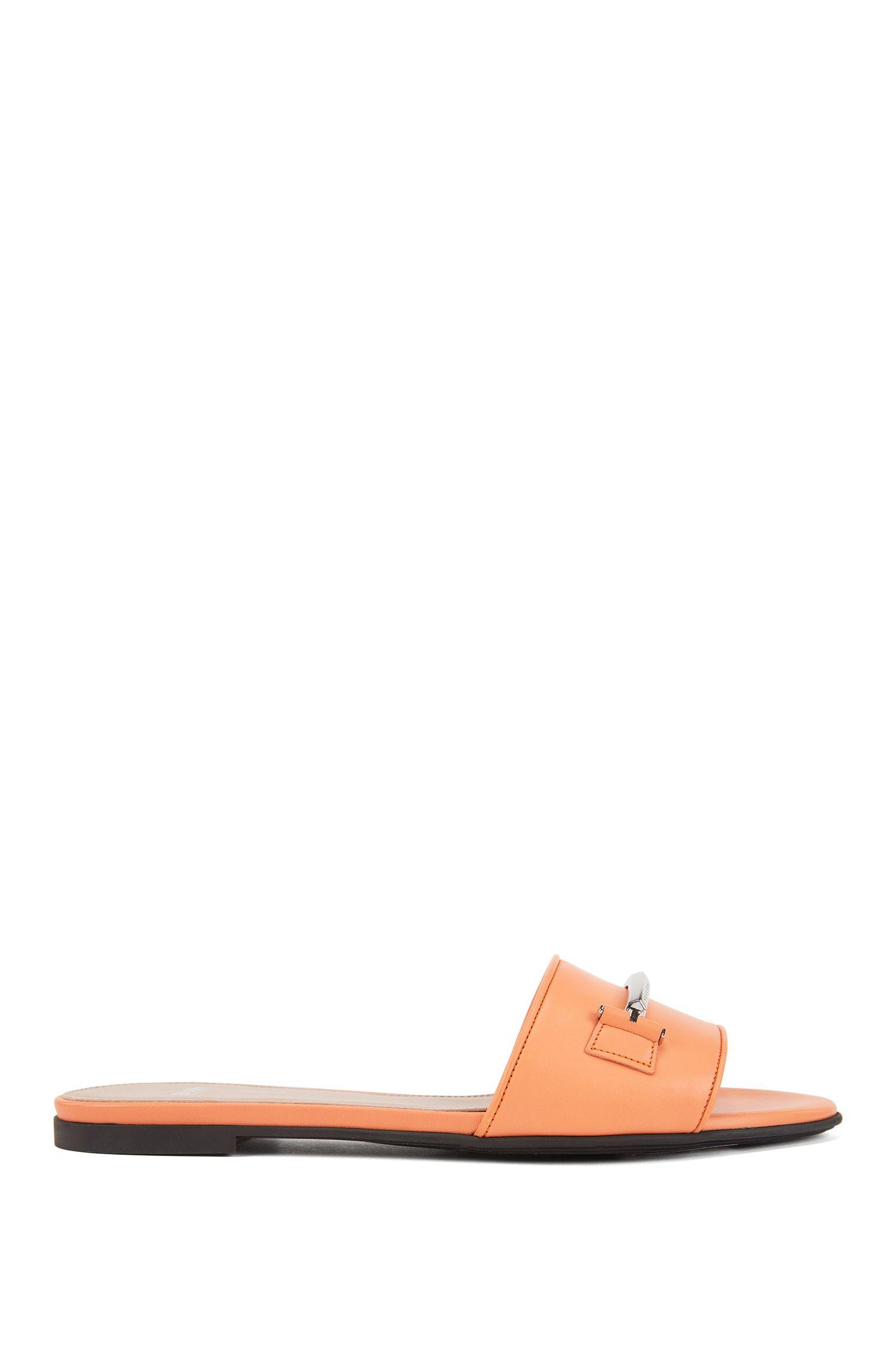 Slides aus italienischem Leder mit Metall-Detail, Orange