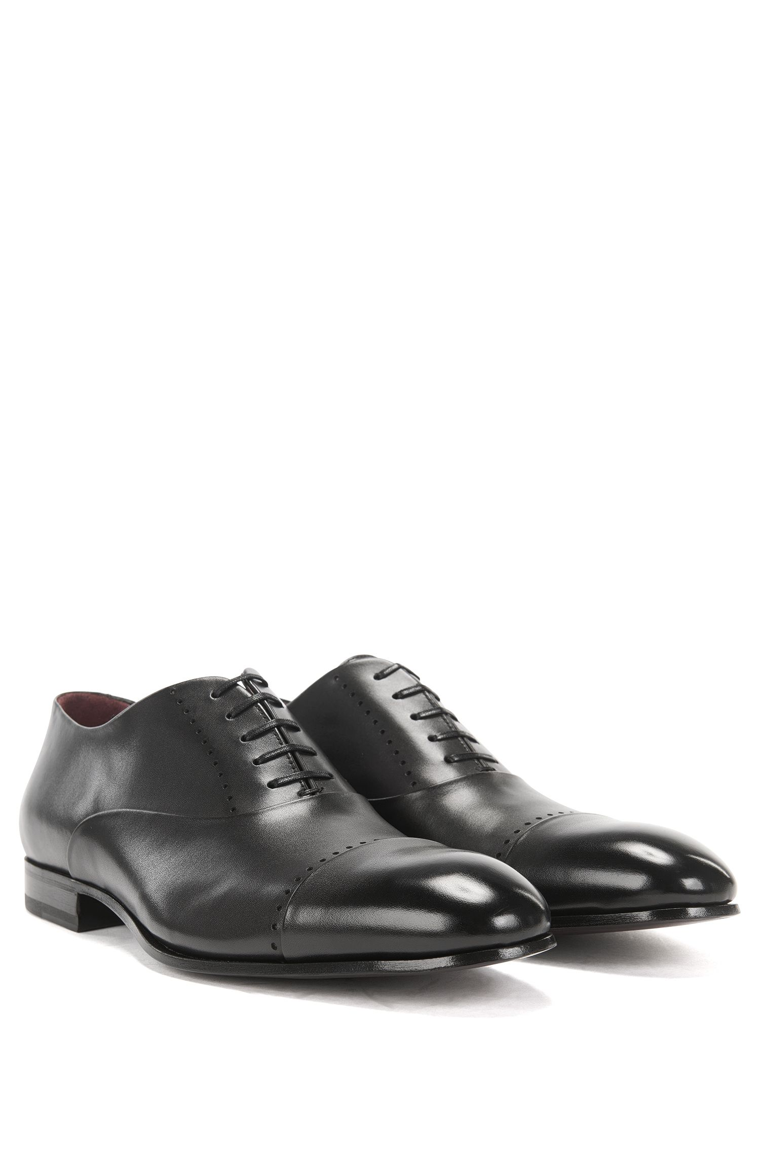 Chaussures Oxford en cuir à bout perforé