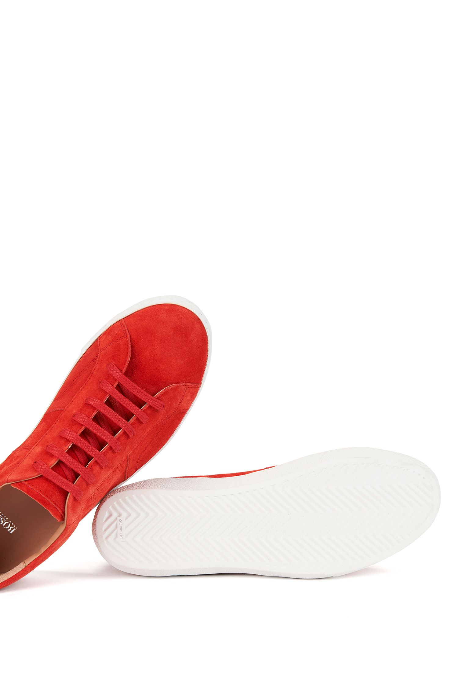 Lage sneakers van zacht Italiaans suède