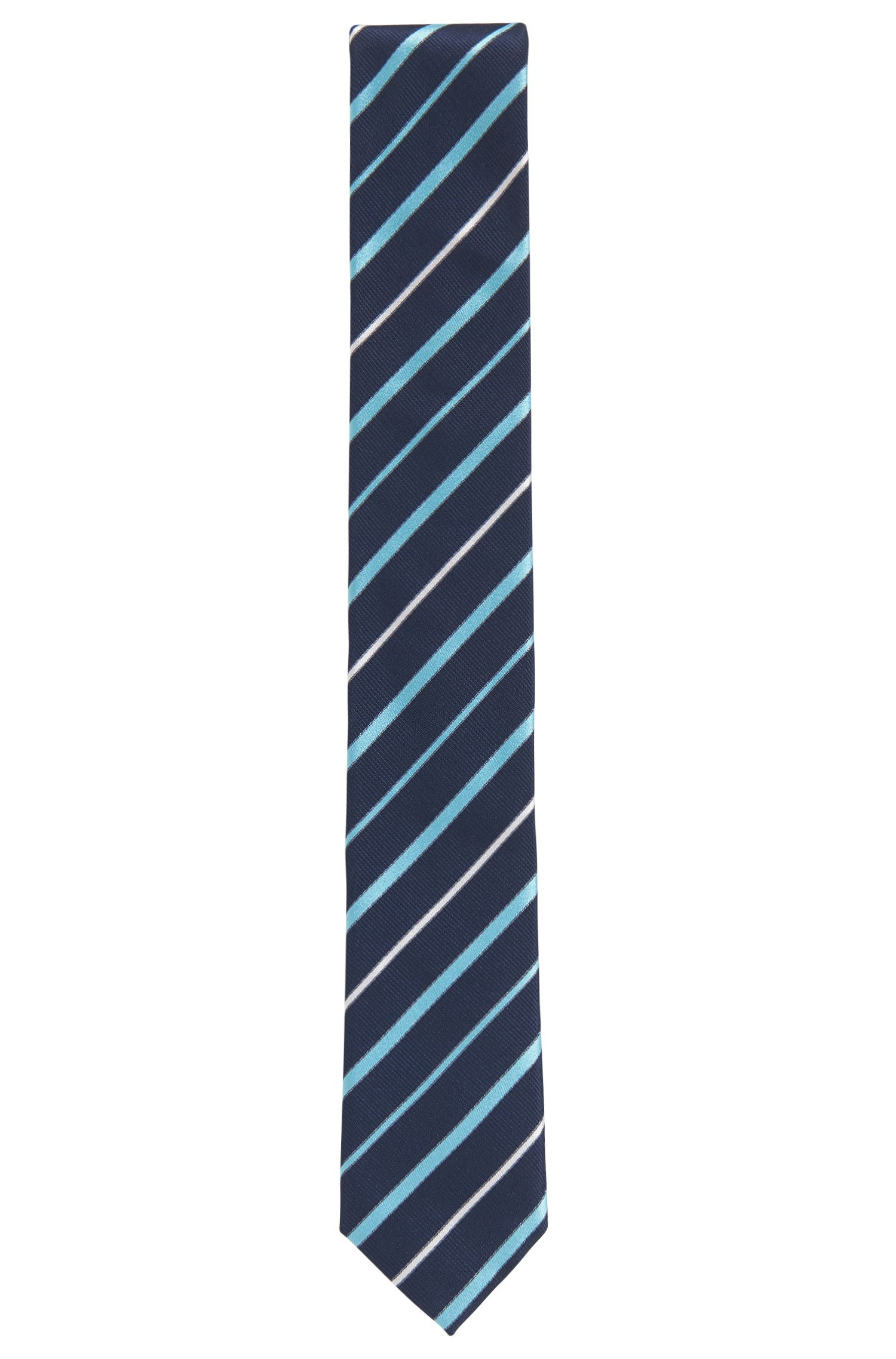 Cravatta a righe diagonali in jacquard di seta realizzata in Italia