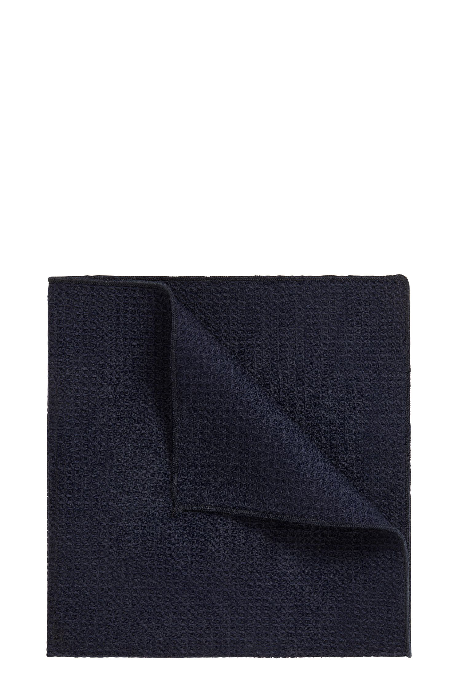 Micro-patterned pocket square in virgin wool