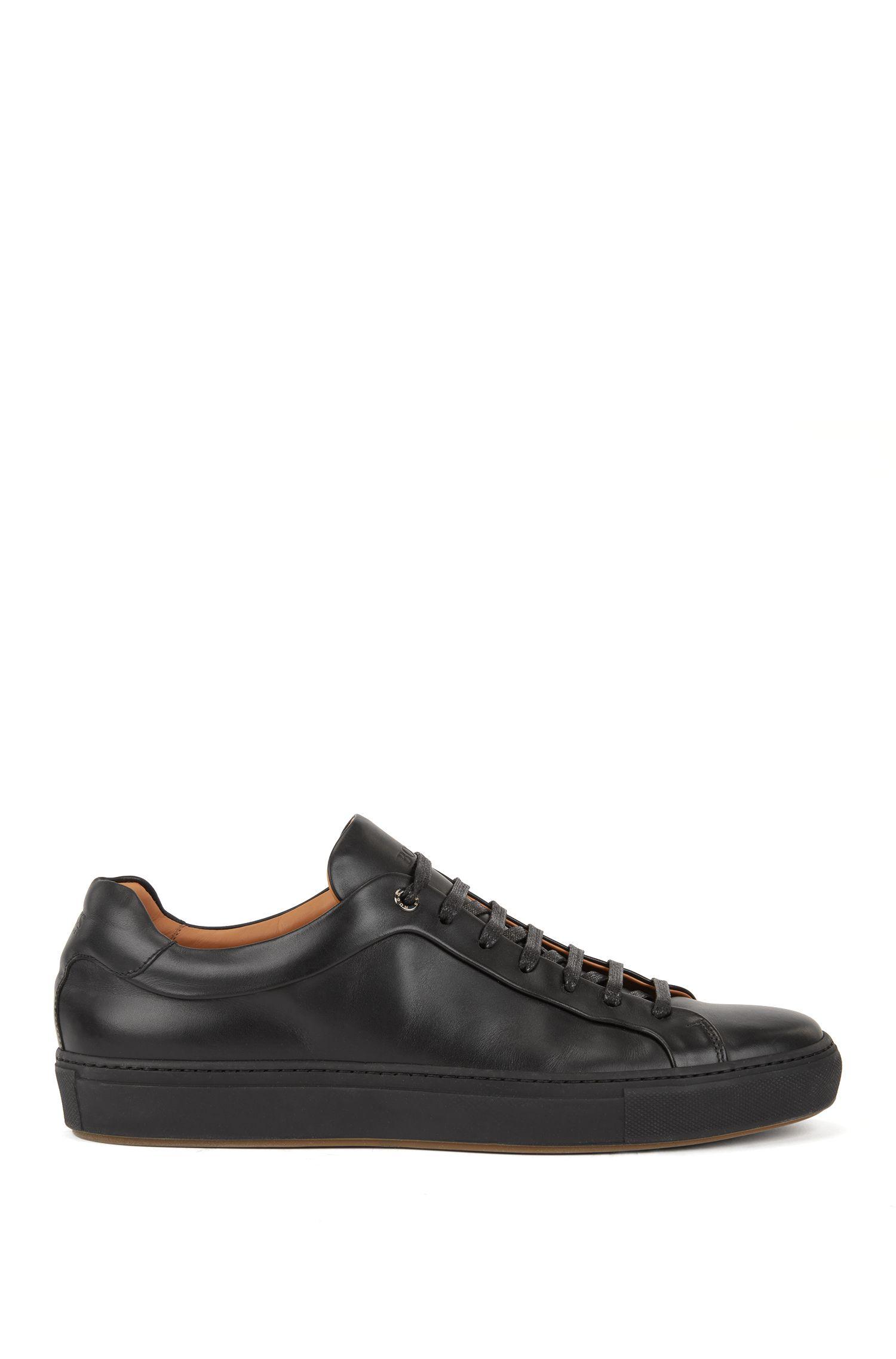 Leder-Sneakers im Tennis-Stil, Schwarz