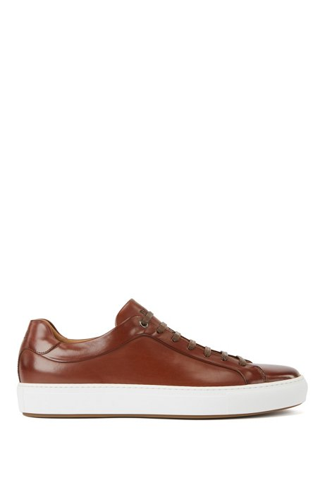 Italian-crafted trainers in burnished leather, Brown