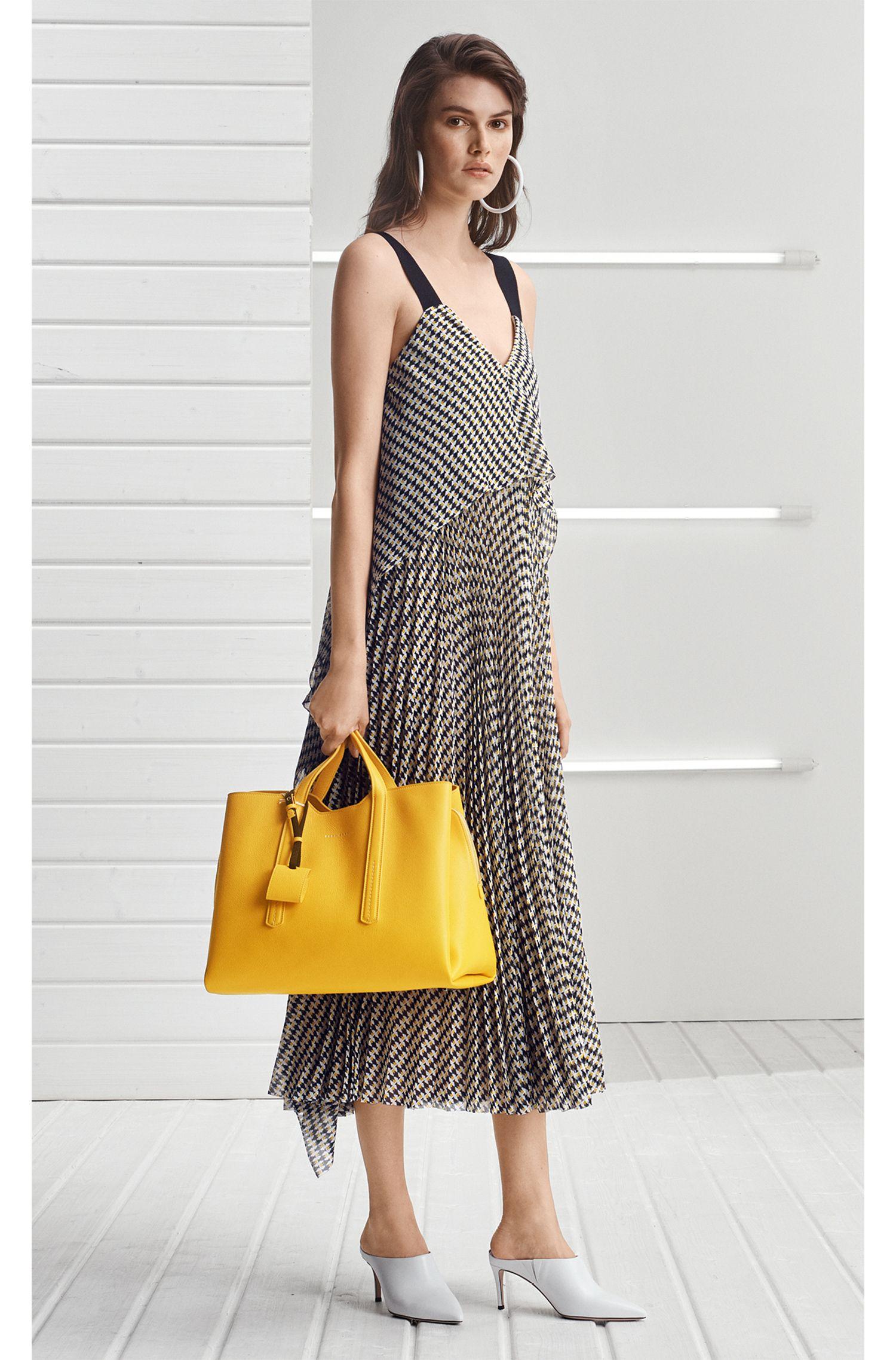 Maxi robe à effets superposés en crêpe plissé et imprimé poisson