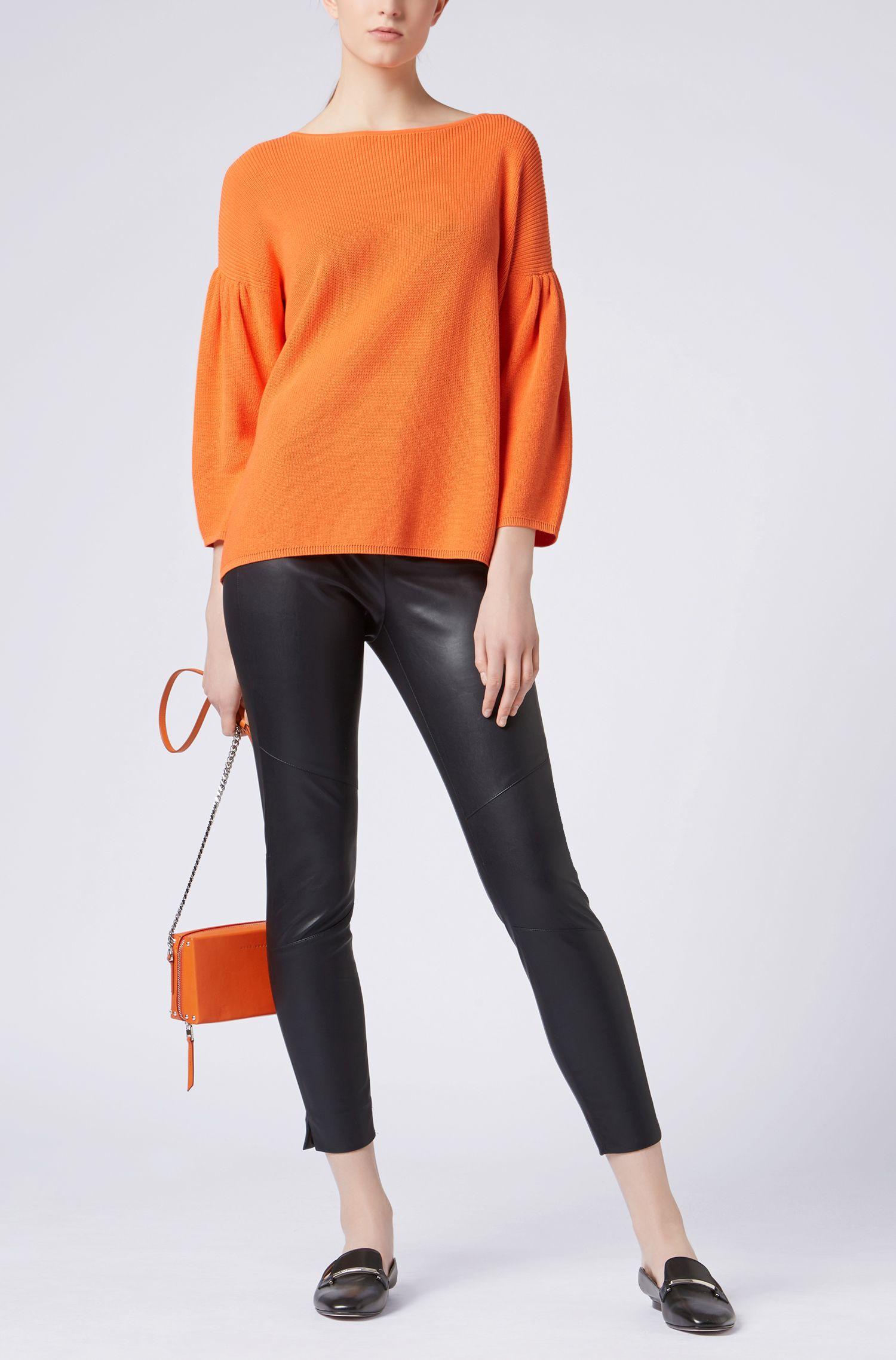 Maglione con scollo a barca, spalle scivolate e maniche arricciate, Arancione