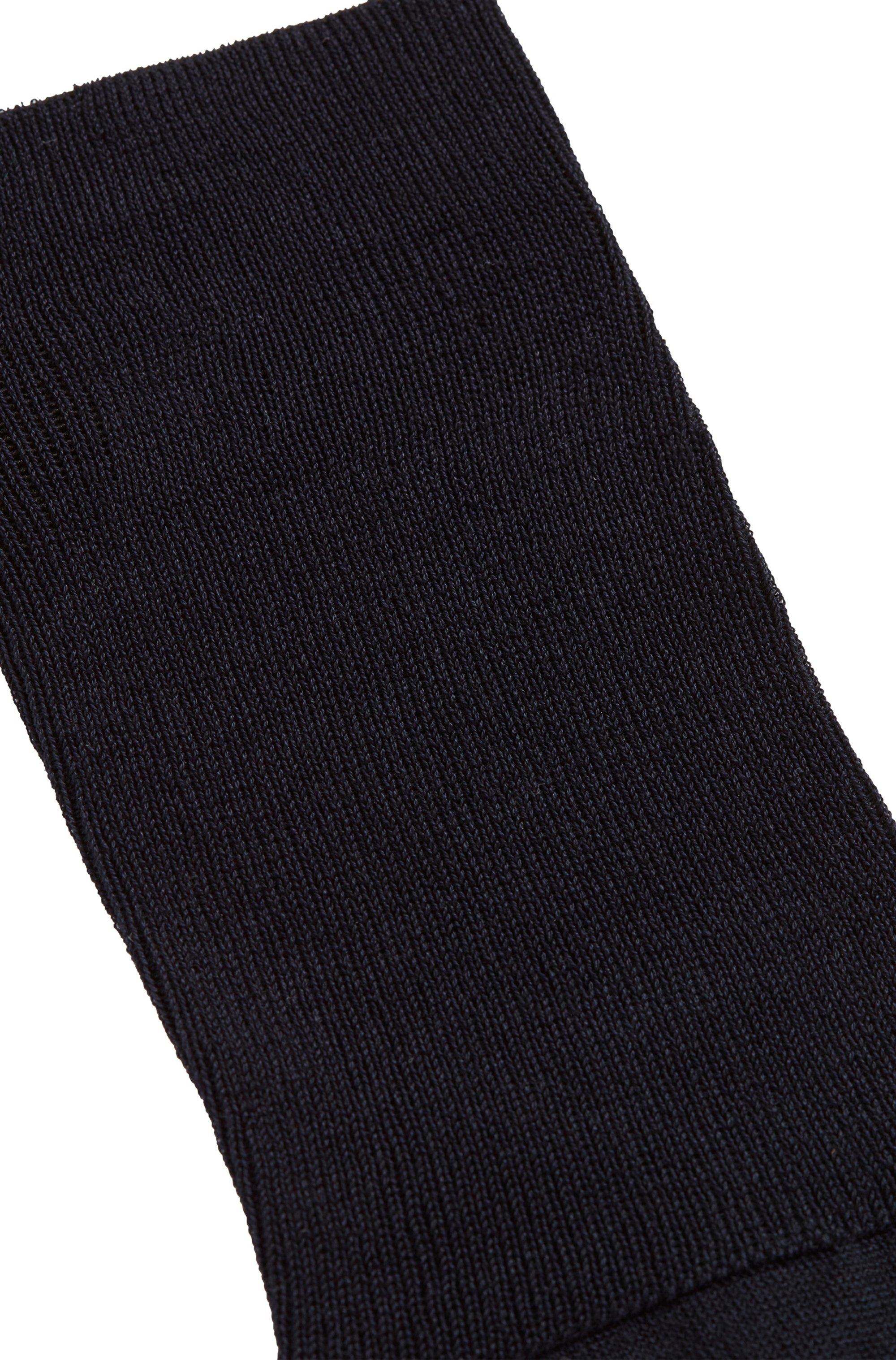 Knee-length socks in mercerised Egyptian stretch cotton
