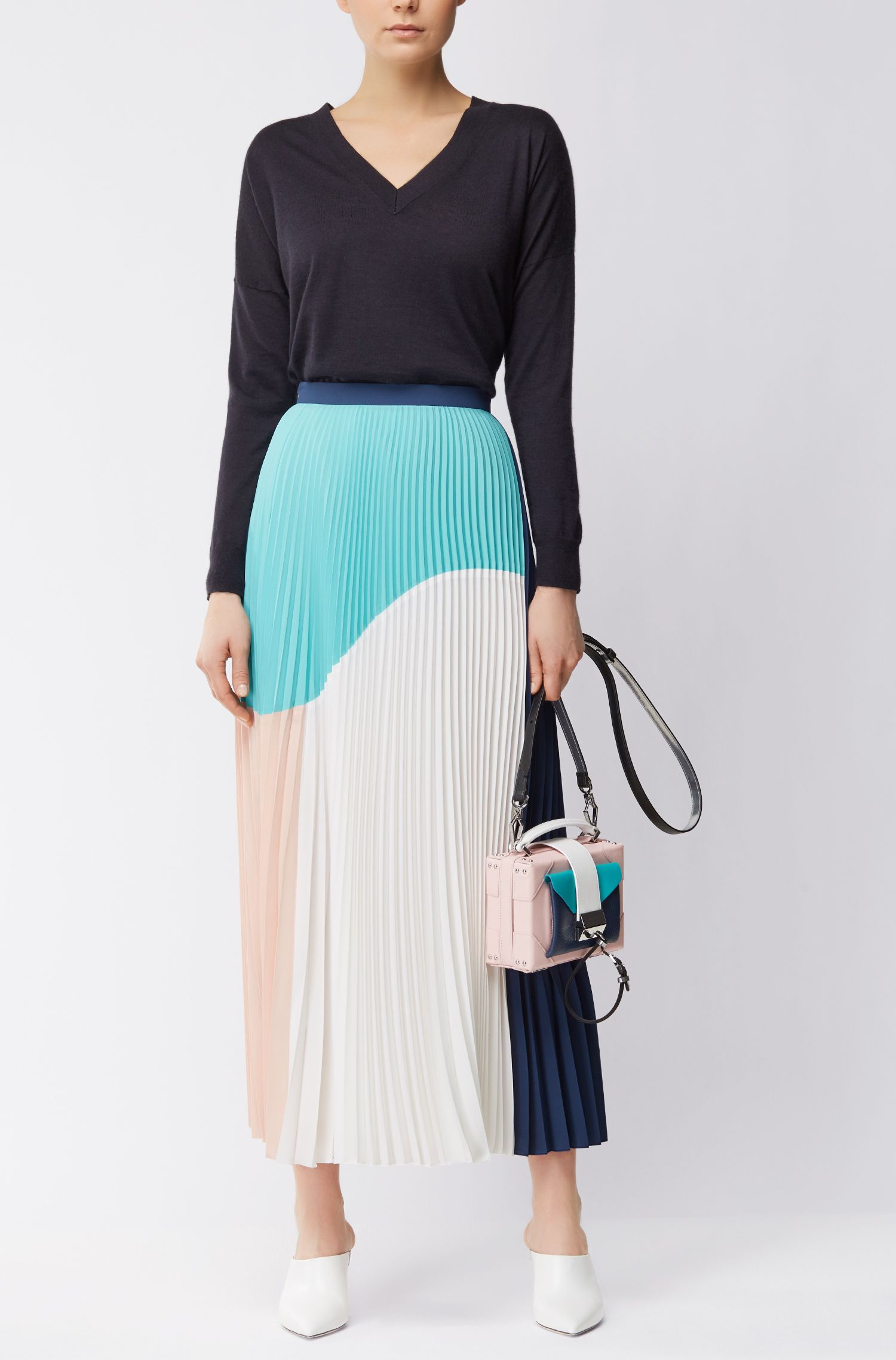 Gallery Collection maxi skirt with sunburst plissé