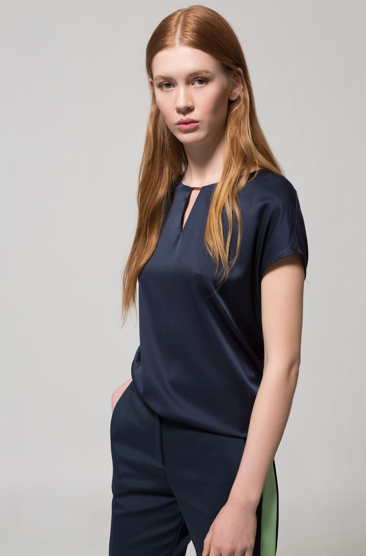 Cap-sleeved top with stretch-silk front