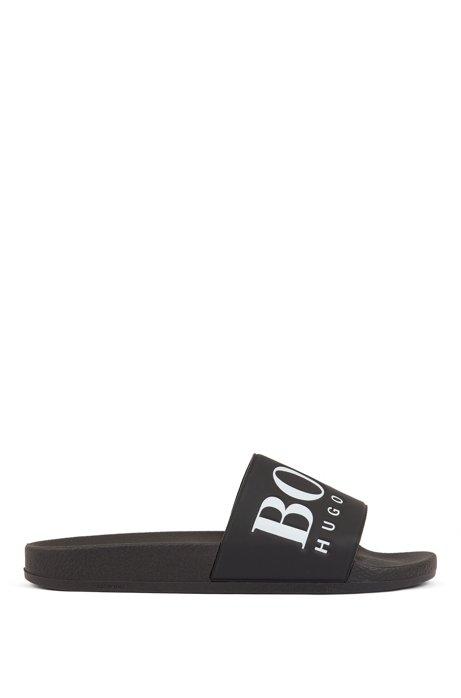 Sandali bassi in gomma realizzati in Italia con logo a contrasto, Nero