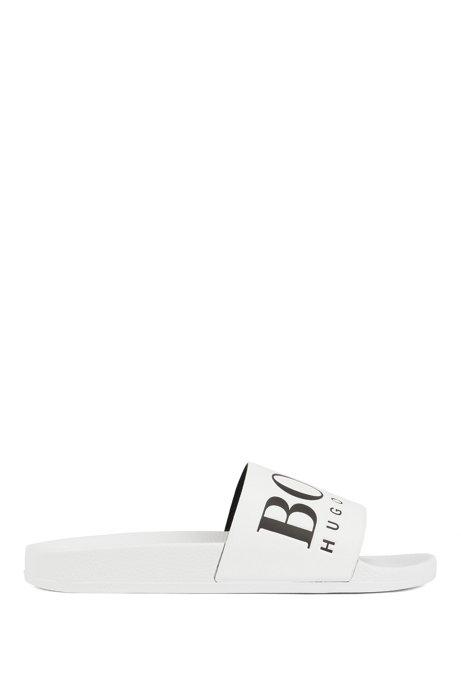 In Italien gefertigte Slides aus Gummi mit kontrastfarbenem Logo, Weiß