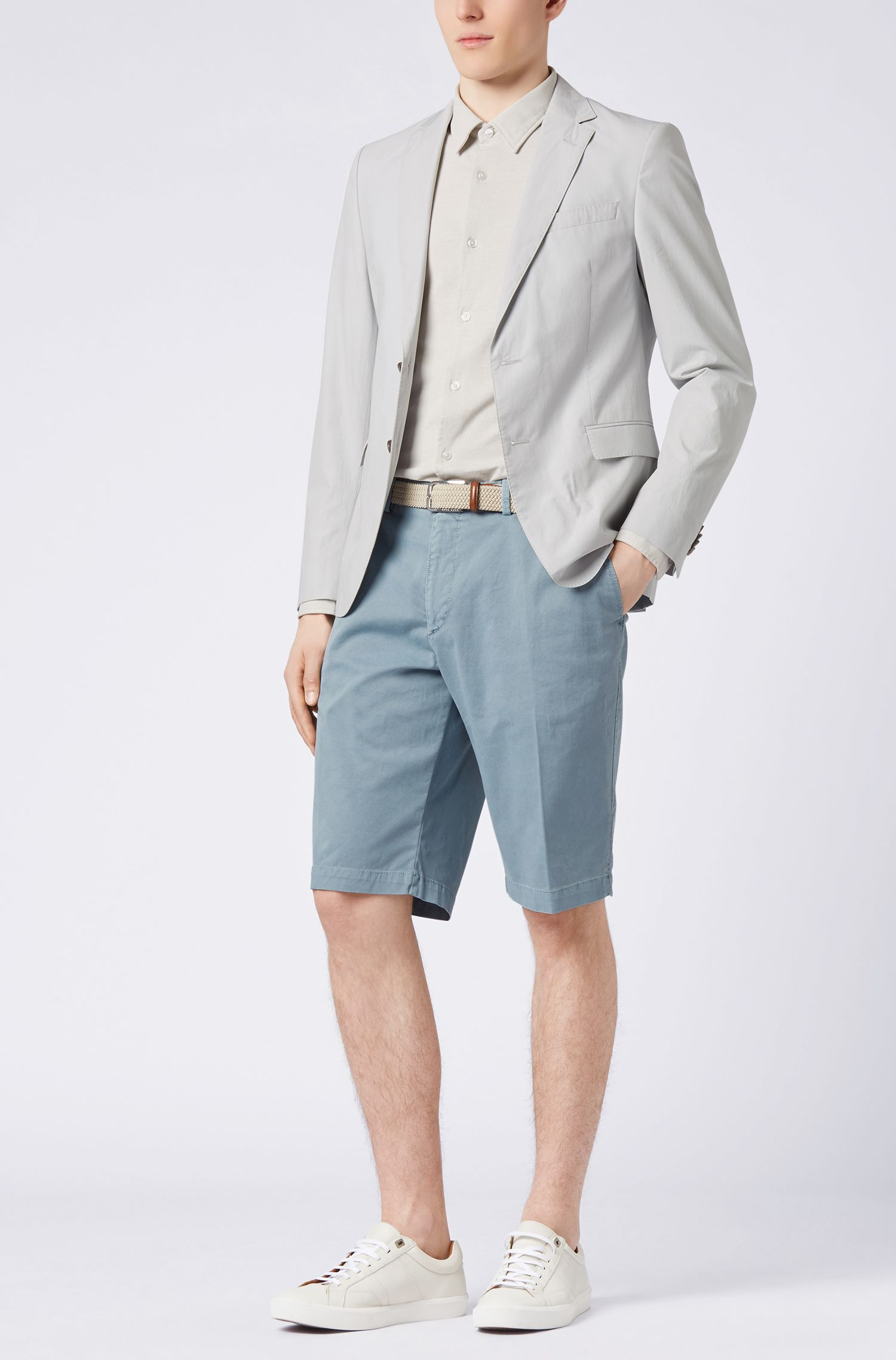 Short chino Regular Fit à la teinture pigmentaire, Bleu vif