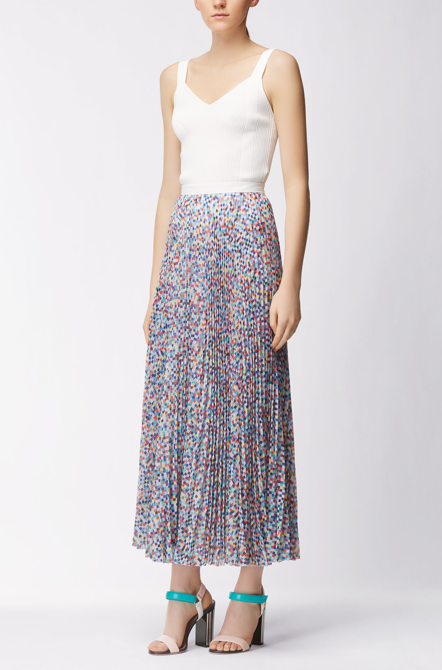 Gallery Collection plissé skirt with micro pattern