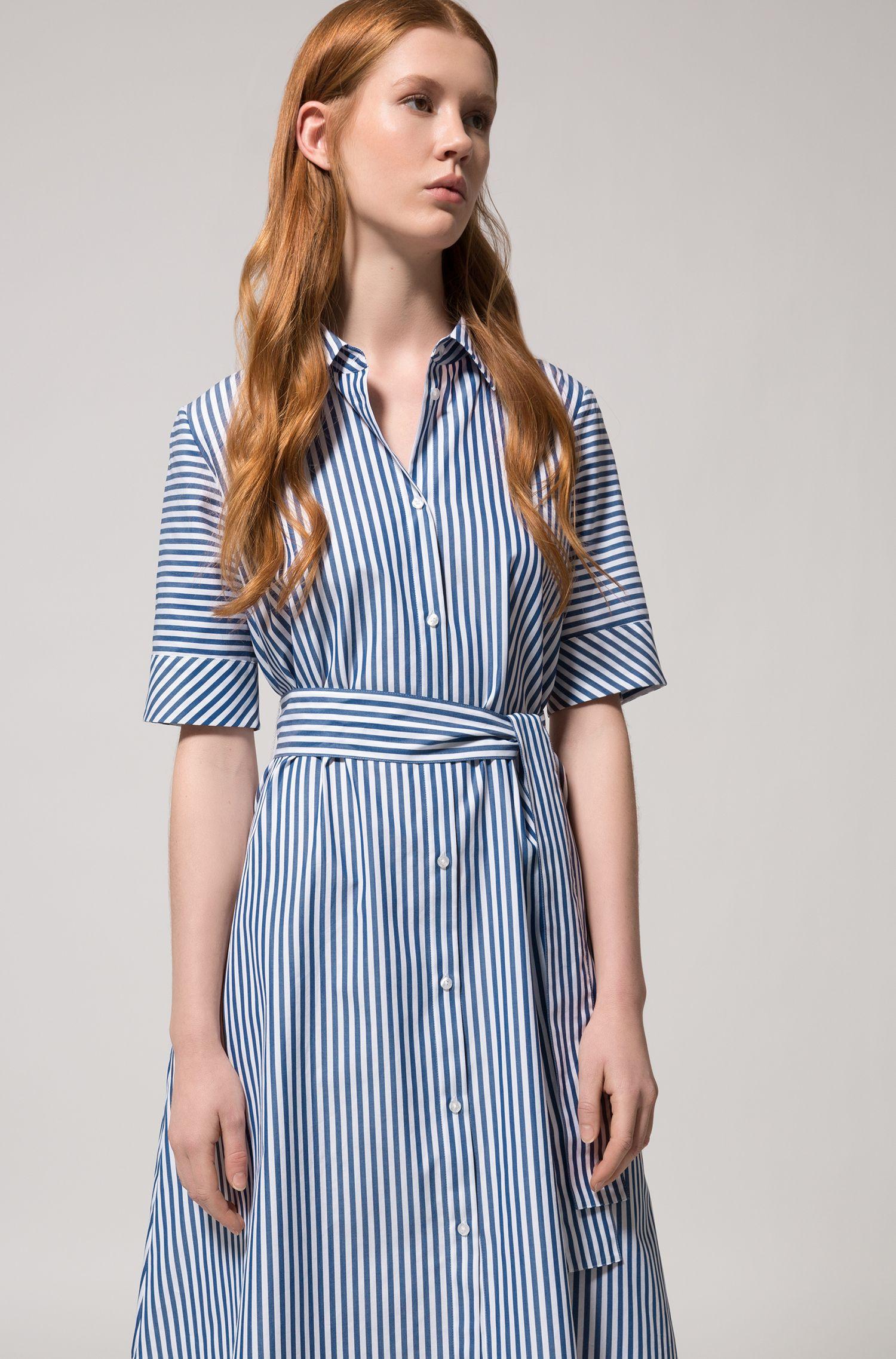Gestreiftes Hemdblusenkleid aus Baumwolle in A-Linie, Gemustert
