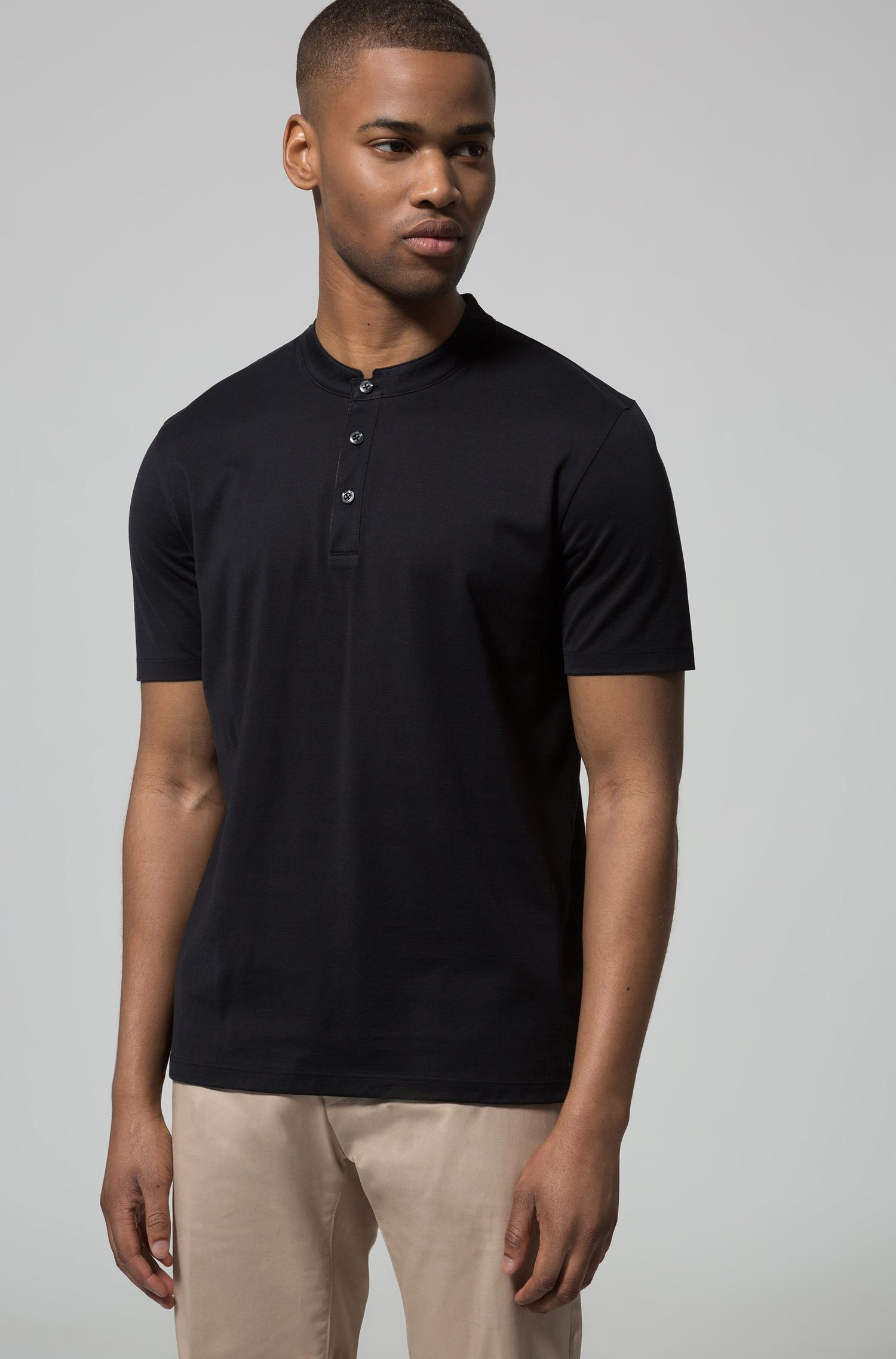 Polo regular fit en algodón interlock con cuello mao, Negro
