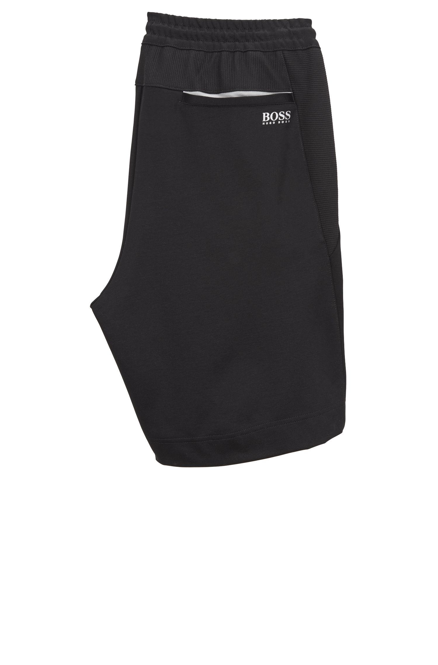 Slim-Fit Shorts aus feuchtigkeitsableitendem Baumwoll-Mix