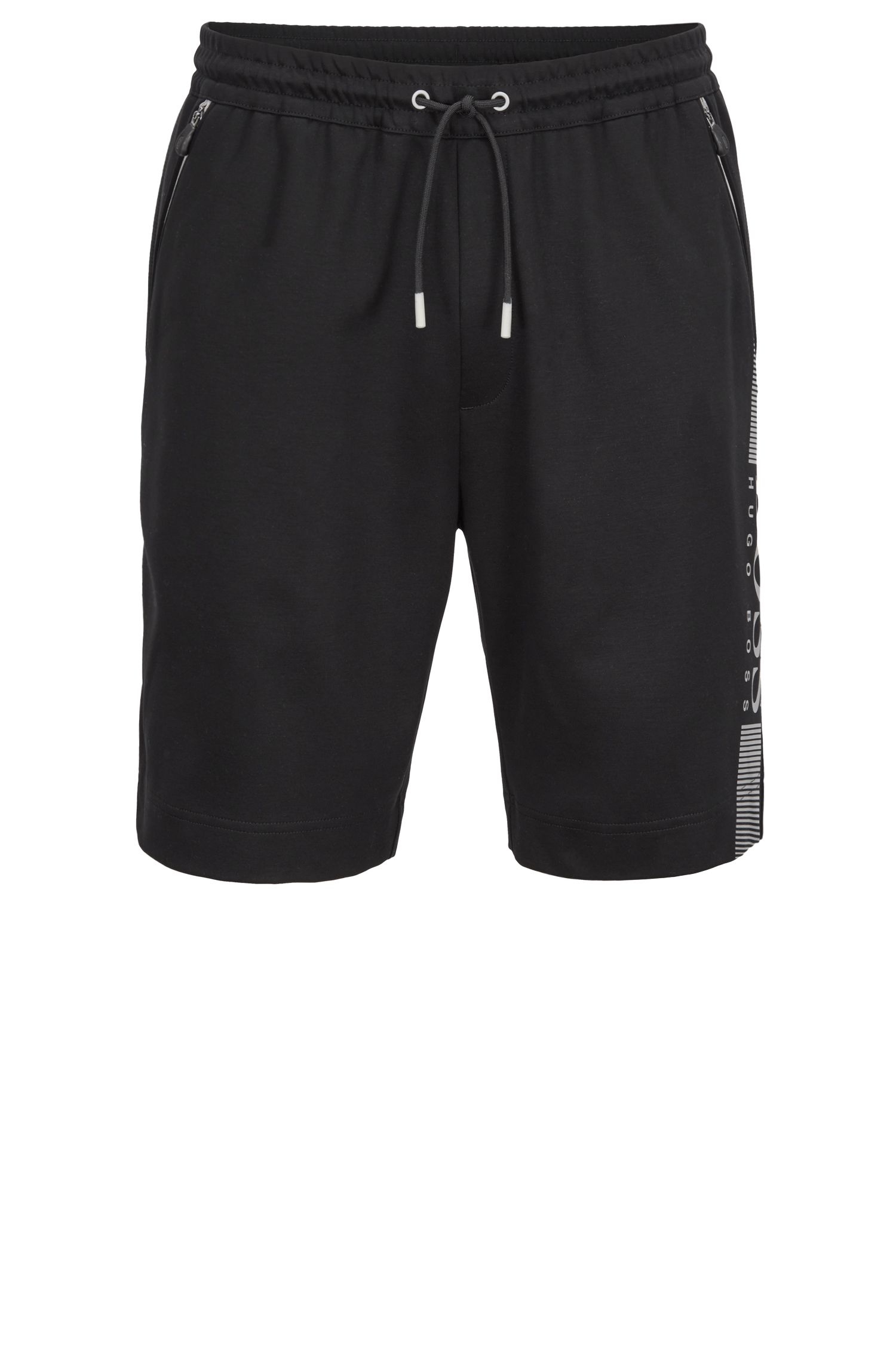 Slim-fit shorts in a moisture-wicking cotton blend