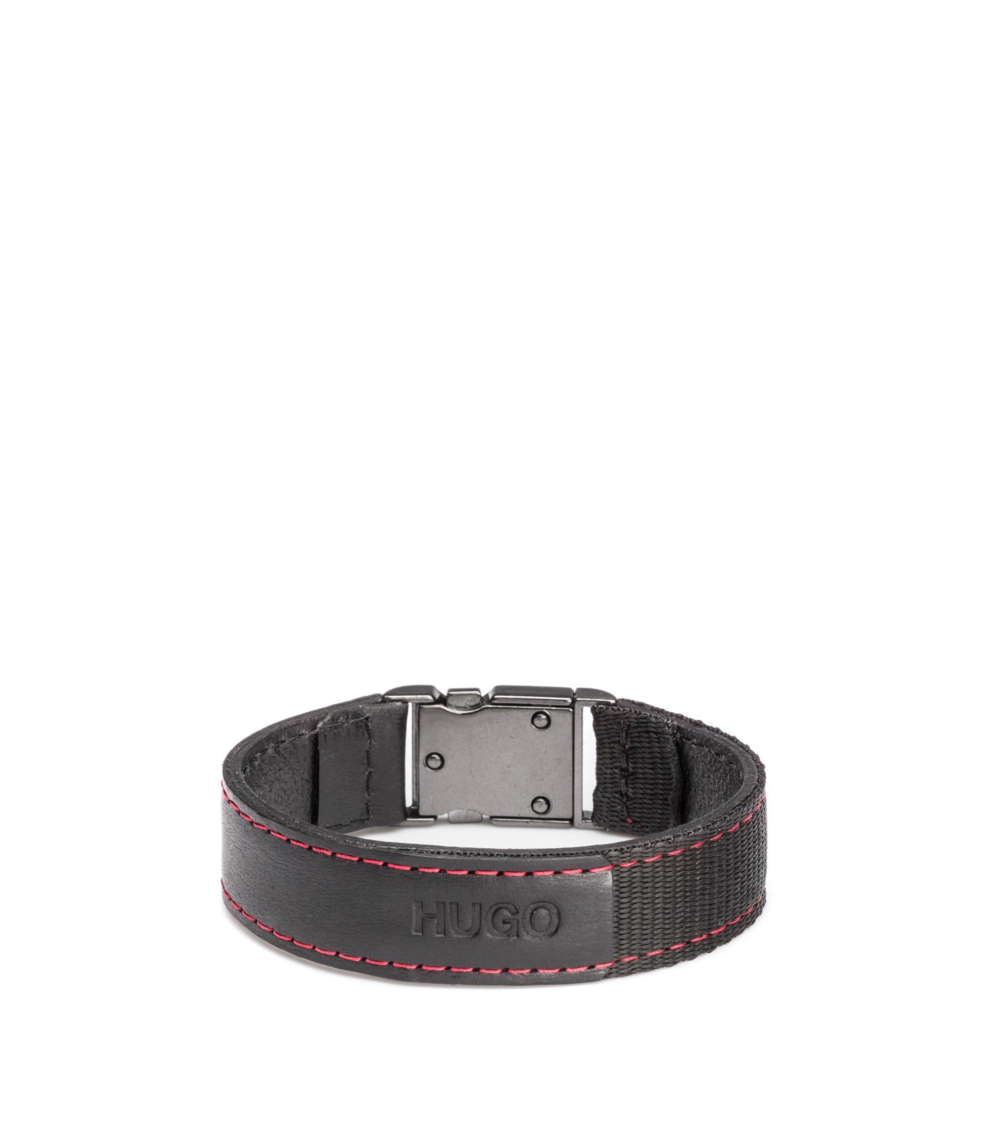 Armband van Italiaans leer met geweven band en rode stiksels, Zwart