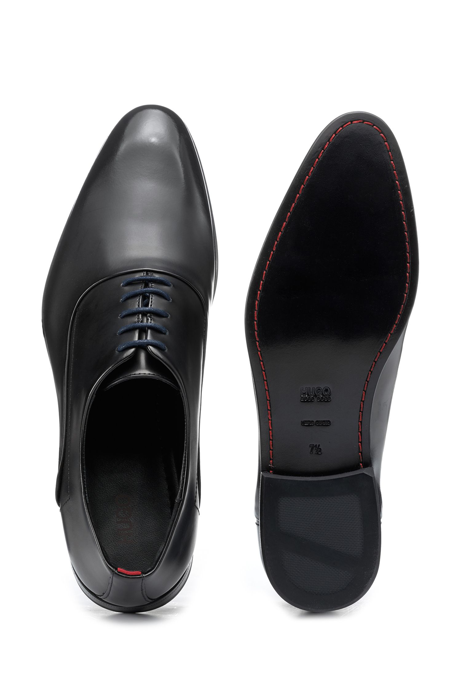 Oxford shoes with brush-off leather uppers