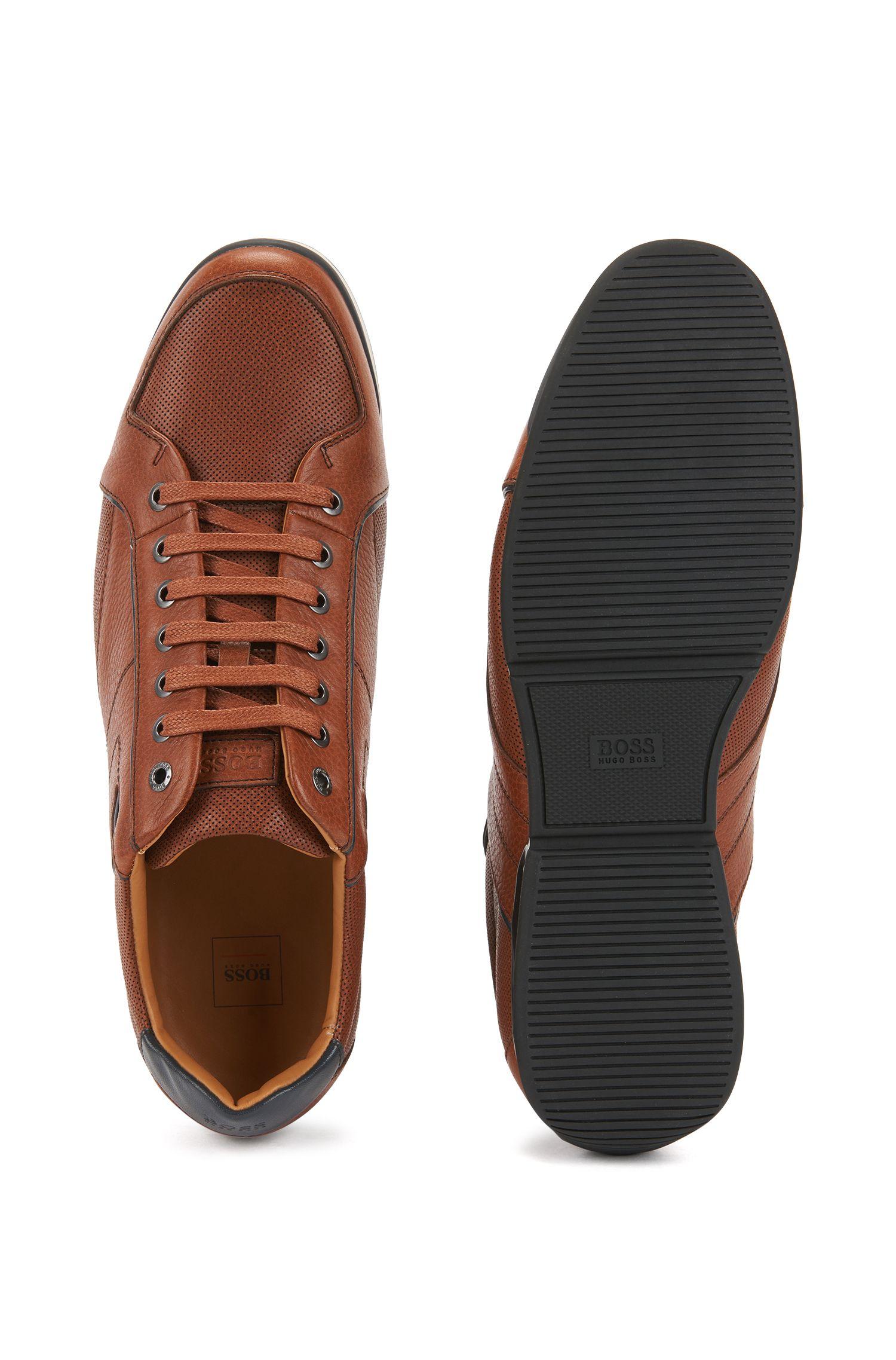 Baskets basses en cuir foulonné avec détails contrastés