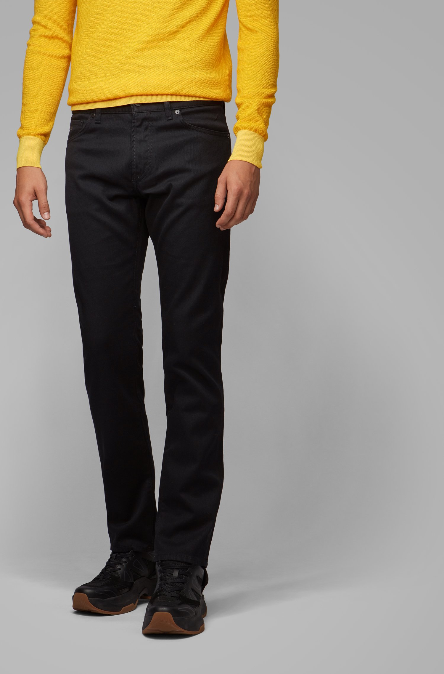 Regular-Fit Jeans aus dunklem Stretch-Denim, Schwarz