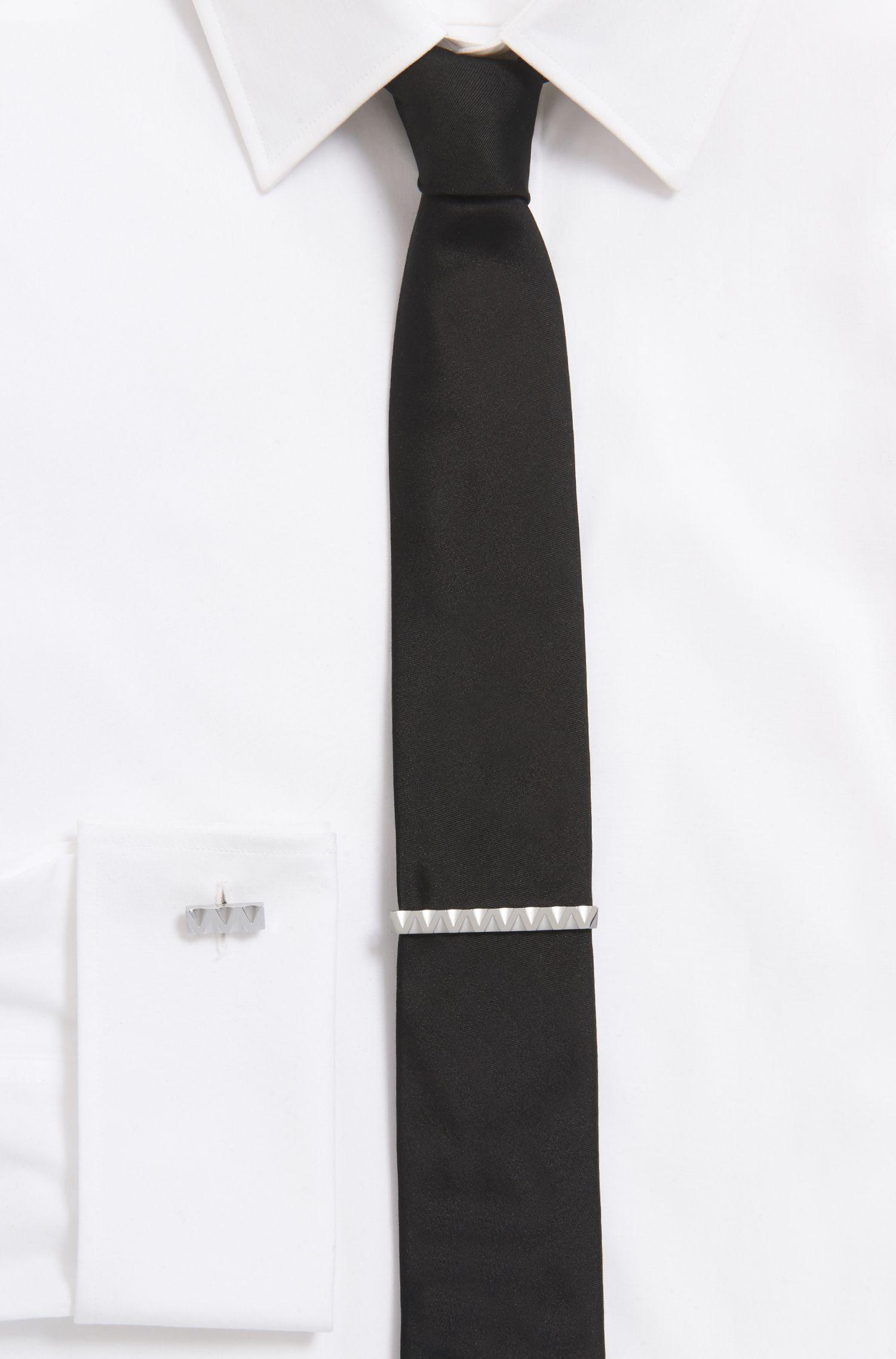 Krawattennadel aus Messing mit dreidimensionalem Zickzack-Design, Silber