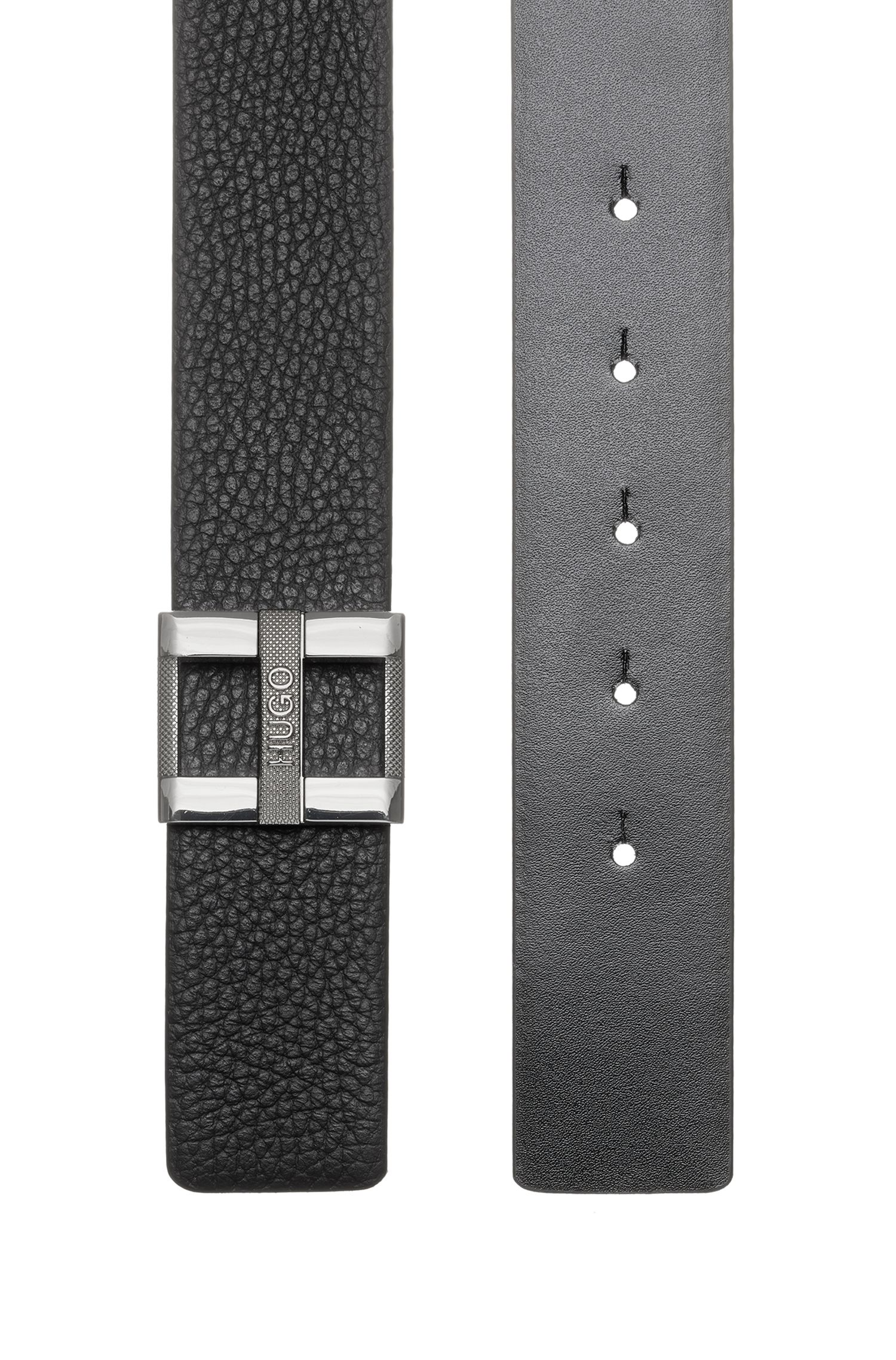 Belt in grained leather with signature metal buckle