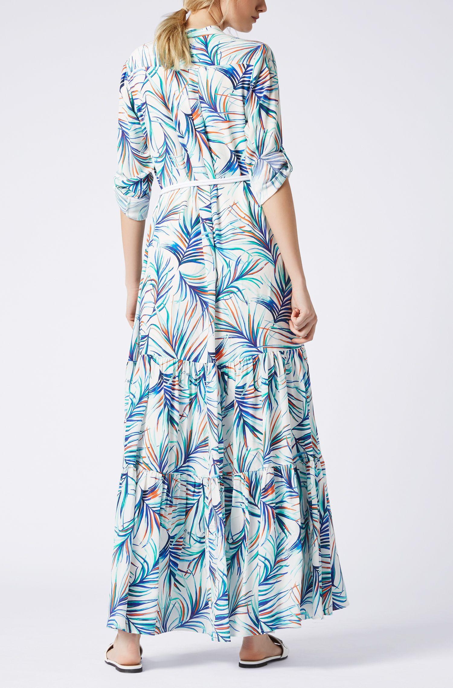 Maxi vestito a maniche lunghe in seta con stampa con foglie di palma