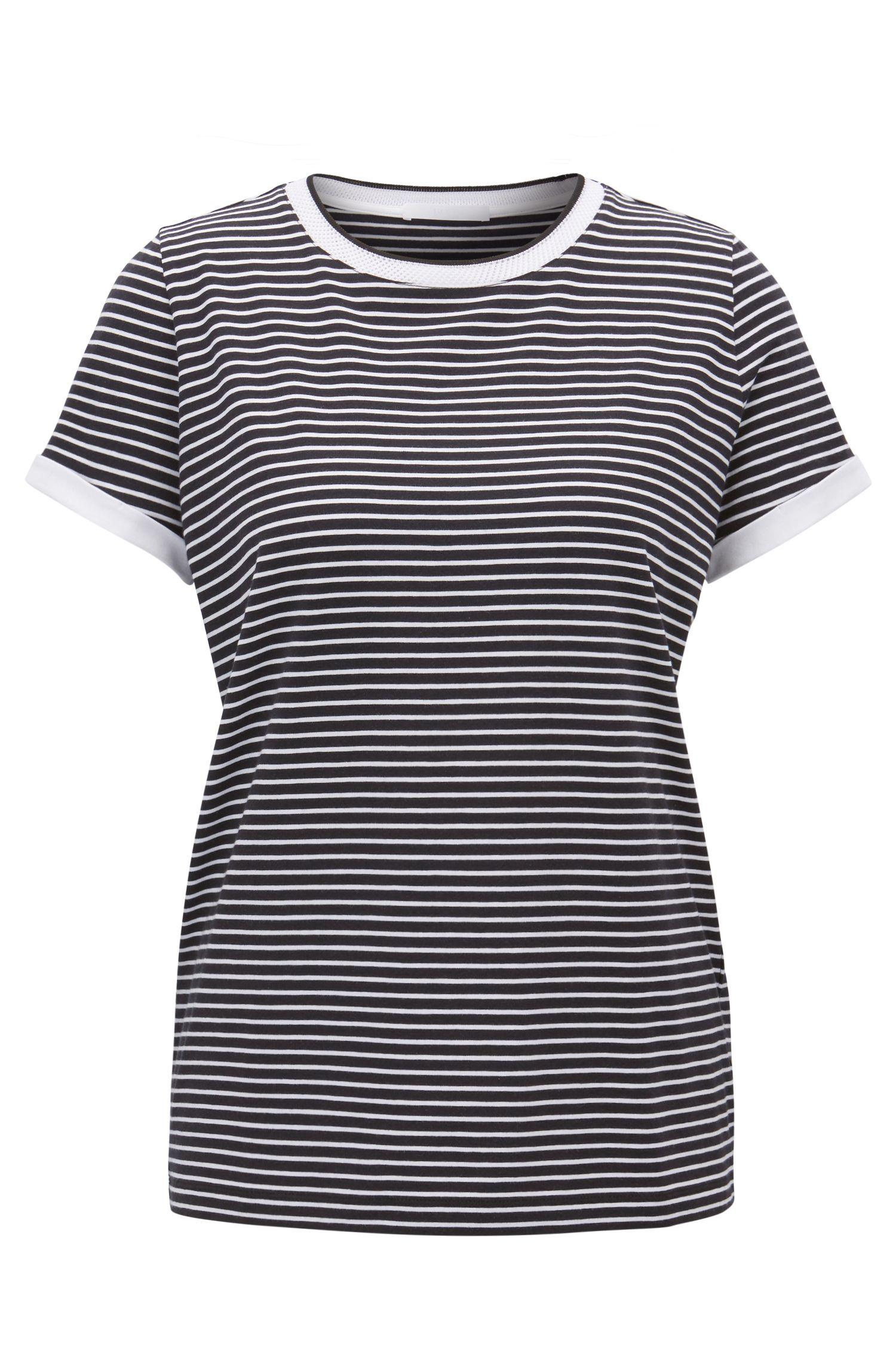 Gestreiftes T-Shirt aus Stretch-Gewebe mit Mesh-Ausschnitt, Gemustert