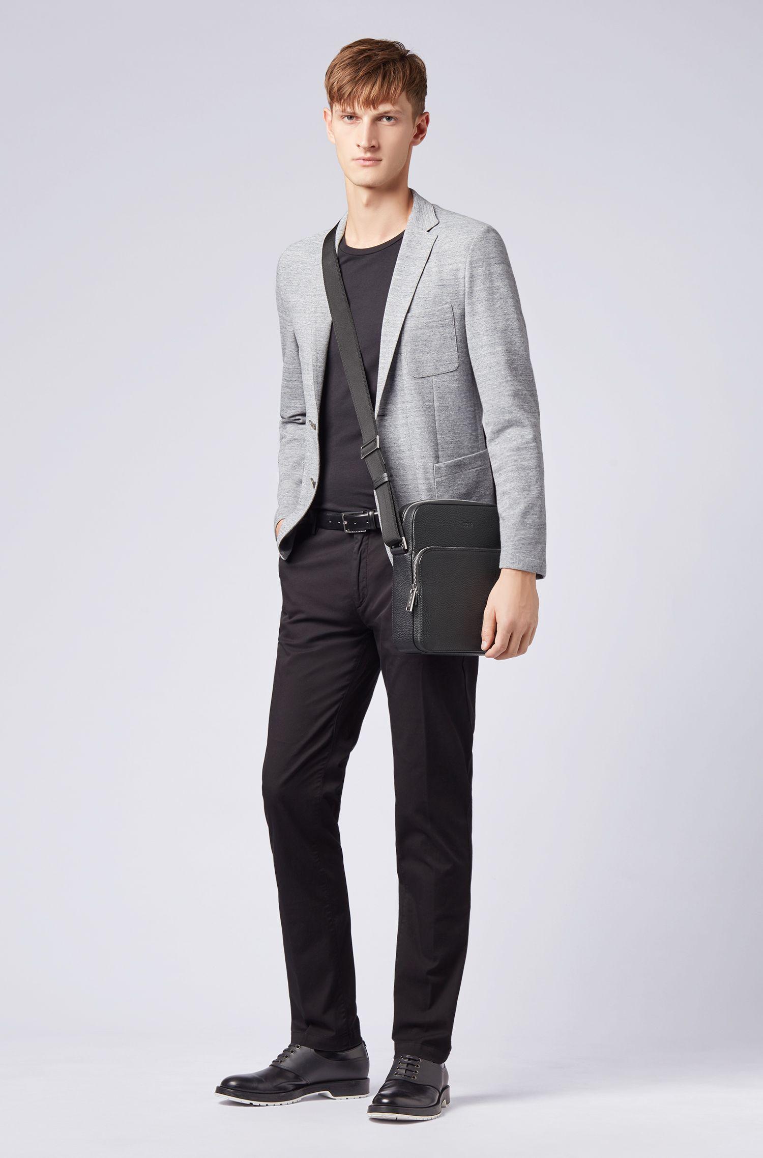 Reporter-Tasche aus genarbtem italienischem Leder, Schwarz
