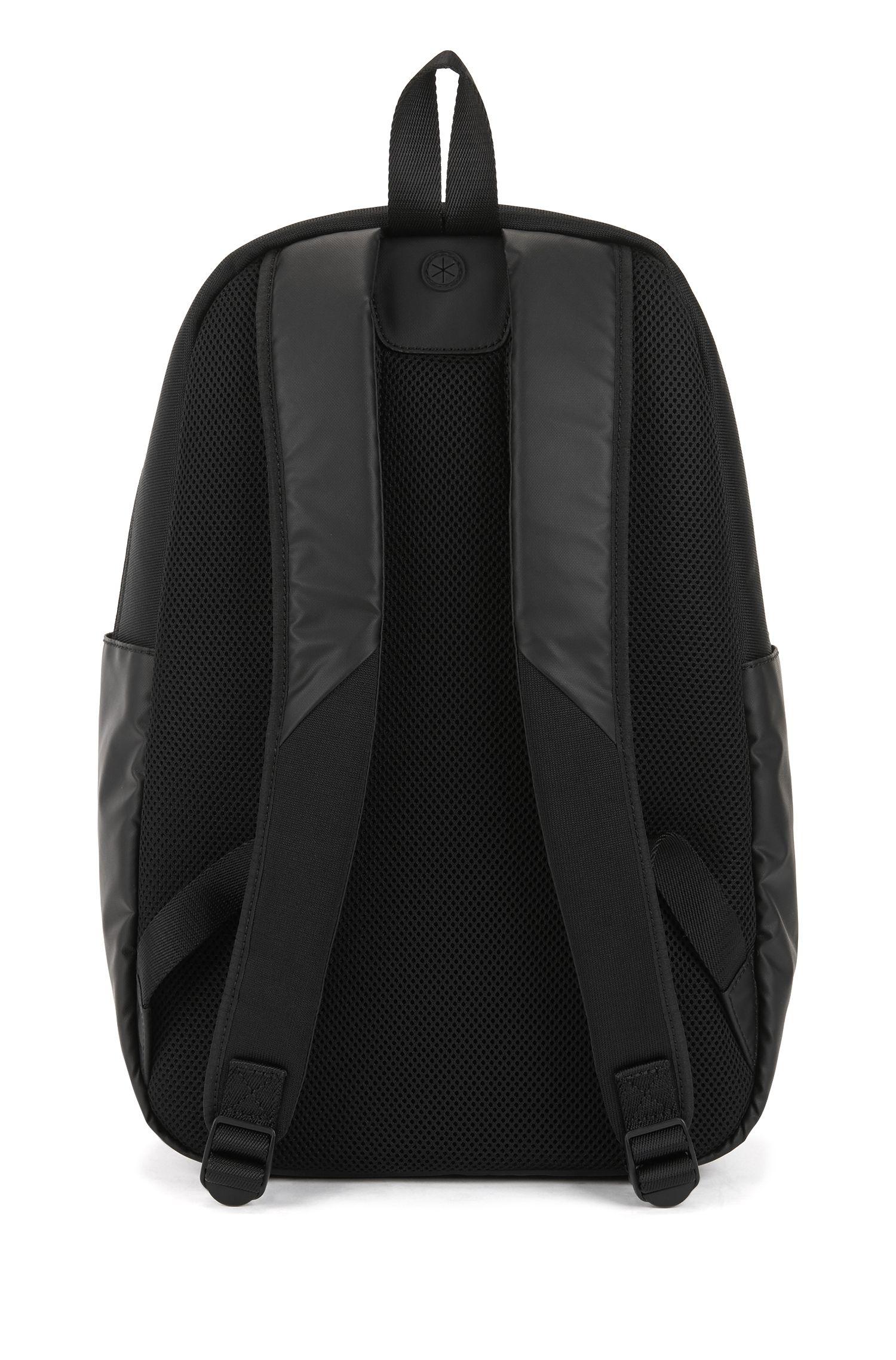 Rucksack mit Kopfhörer-Öffnung und Laptop-Fach, Schwarz