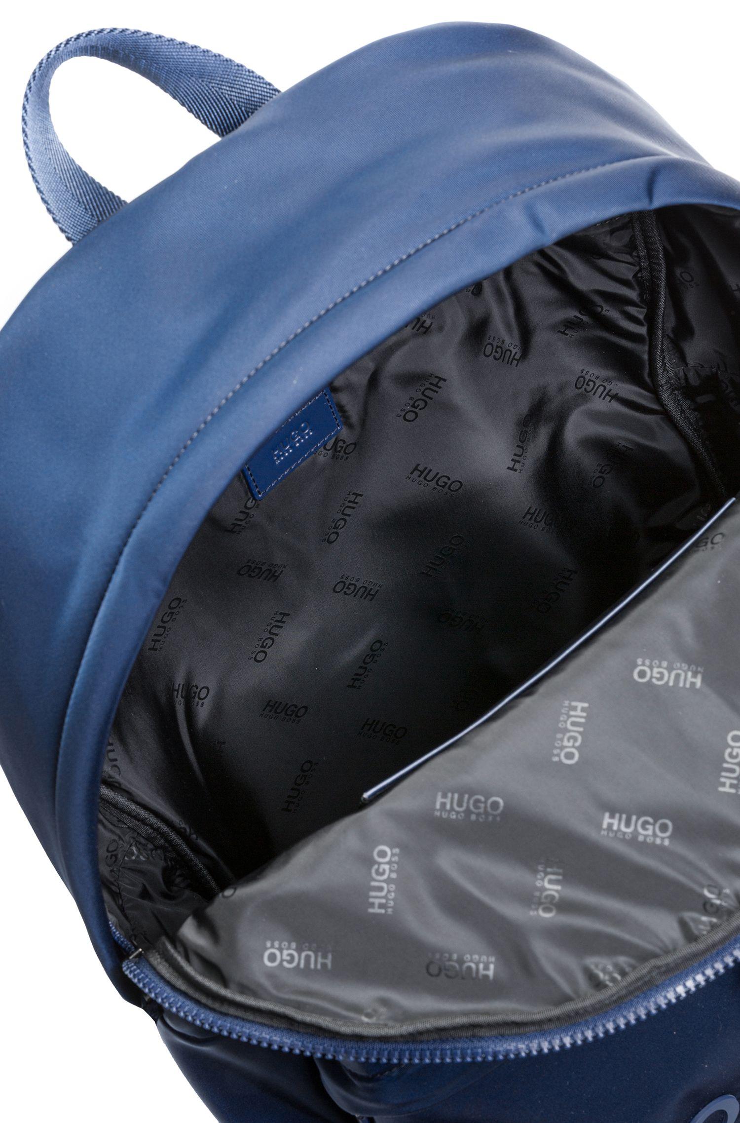 Zaino in gabardine di tessuto tecnico con logo a rovescio, Blu scuro