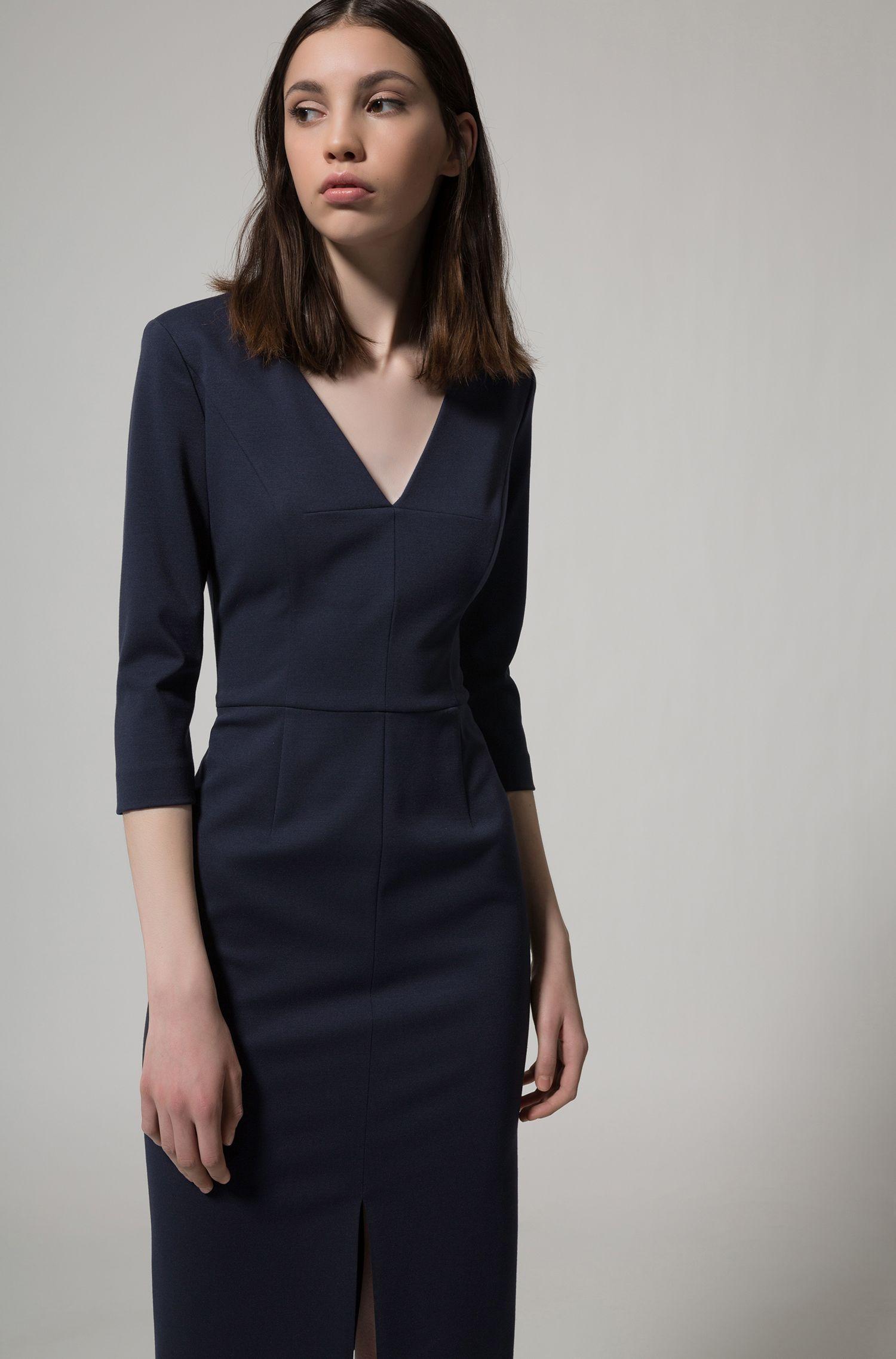 Kleid aus Stretch-Jersey mit tiefem V-Ausschnitt