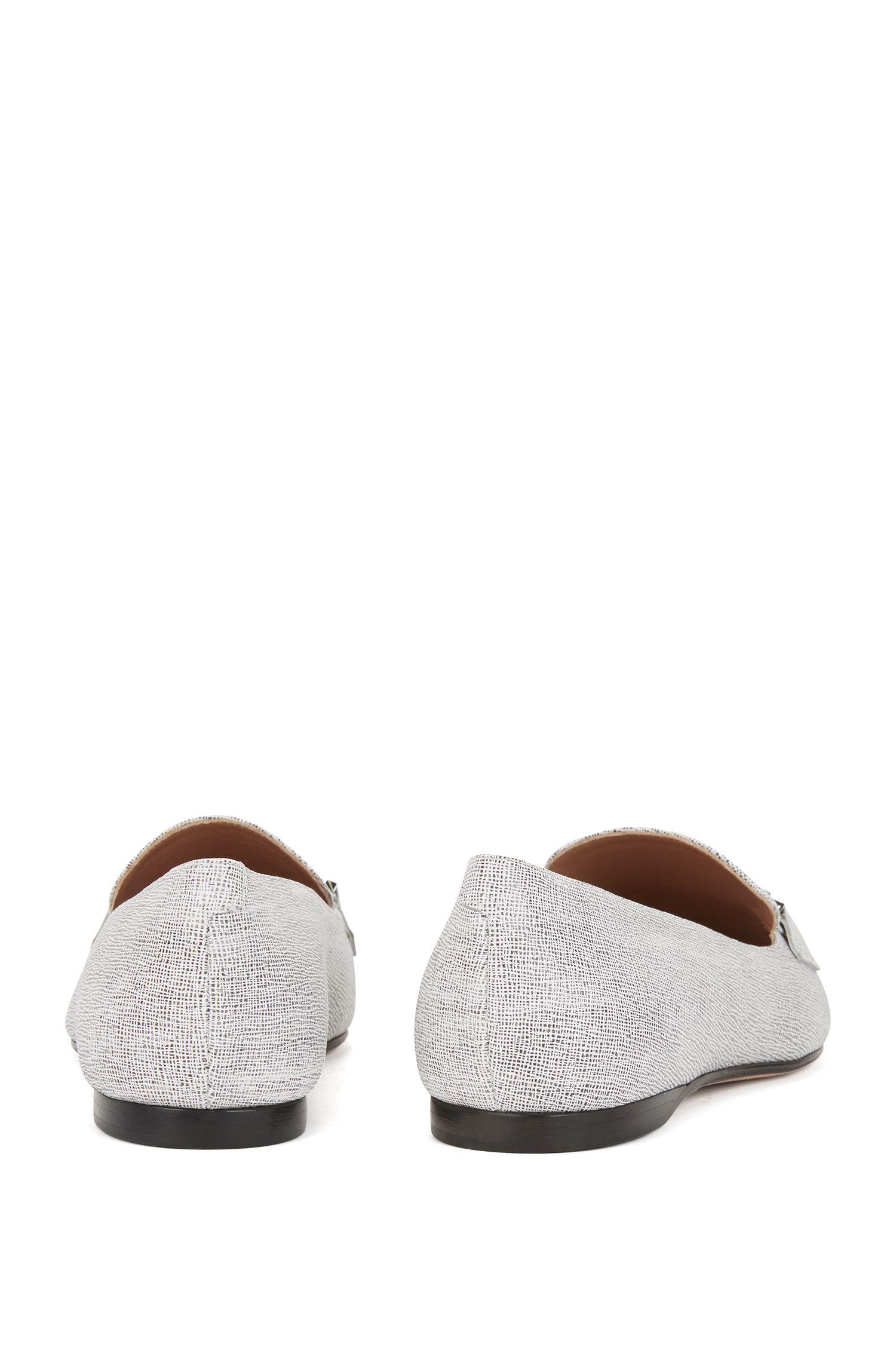 In Italien gefertigte Loafer aus geprägtem Leder, Weiß