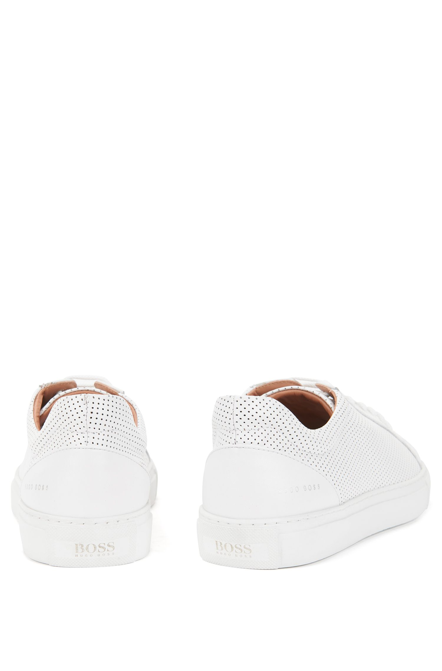 Sneakers basse in pelle di vitello traforata realizzata in Italia, Bianco