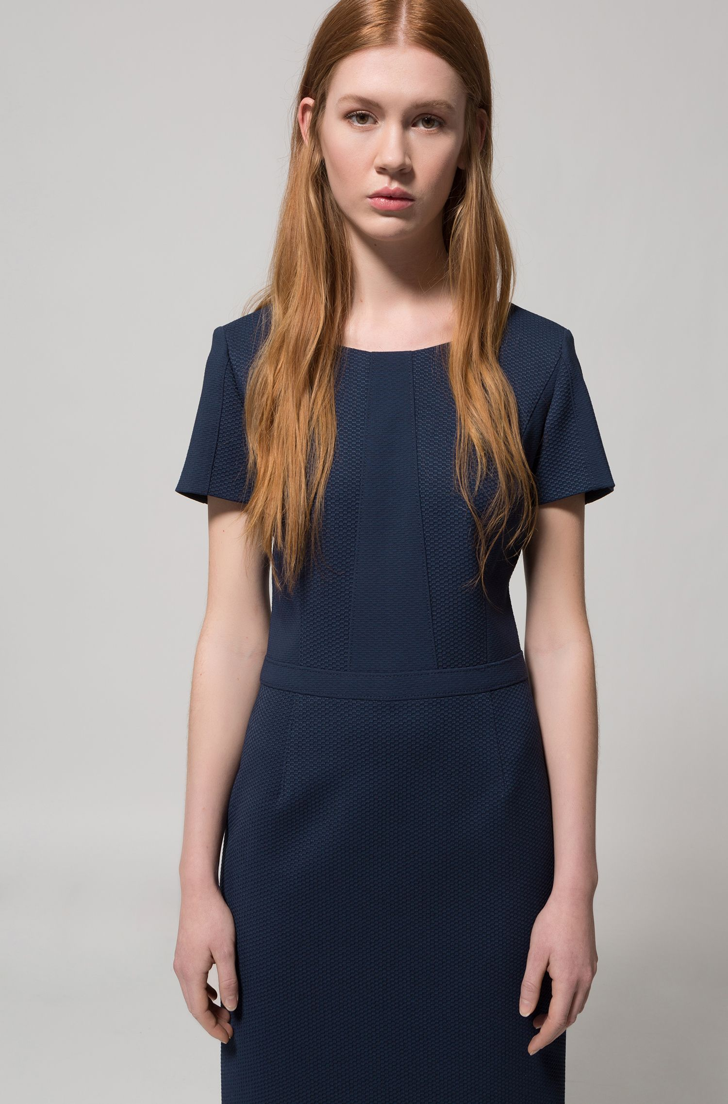 Short-sleeved dress in panelled stretch fabric
