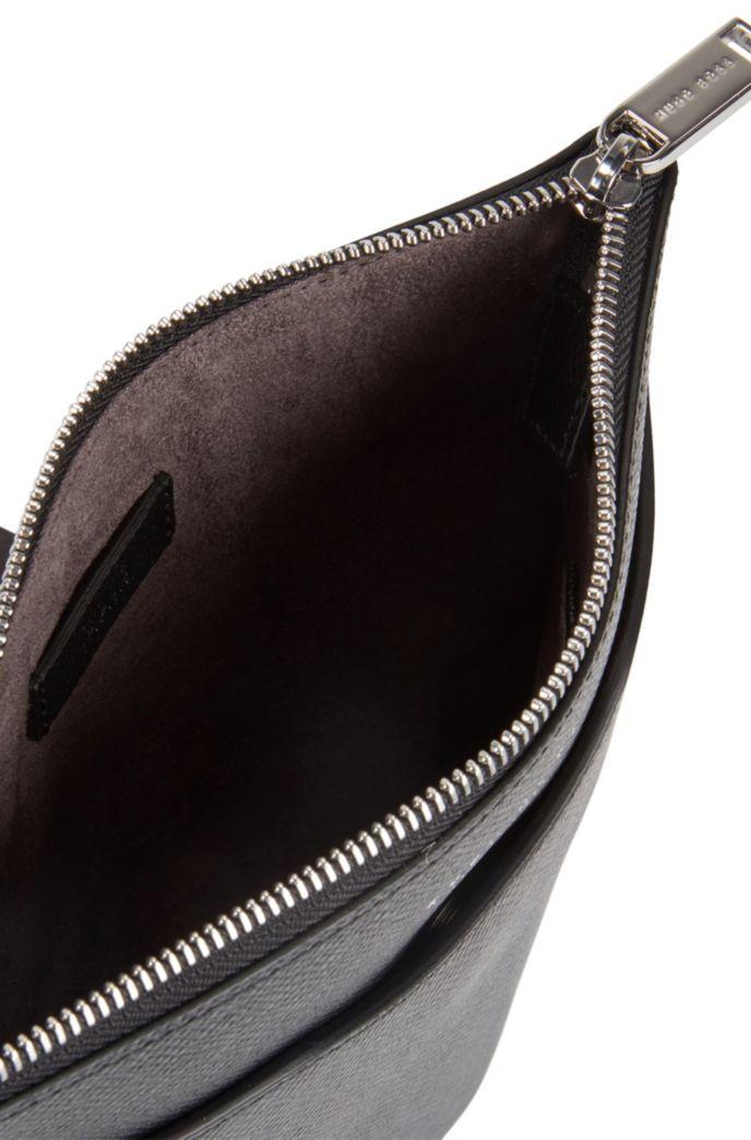 Bolso de estilo sobre en piel italiana estampada de Signature Collection
