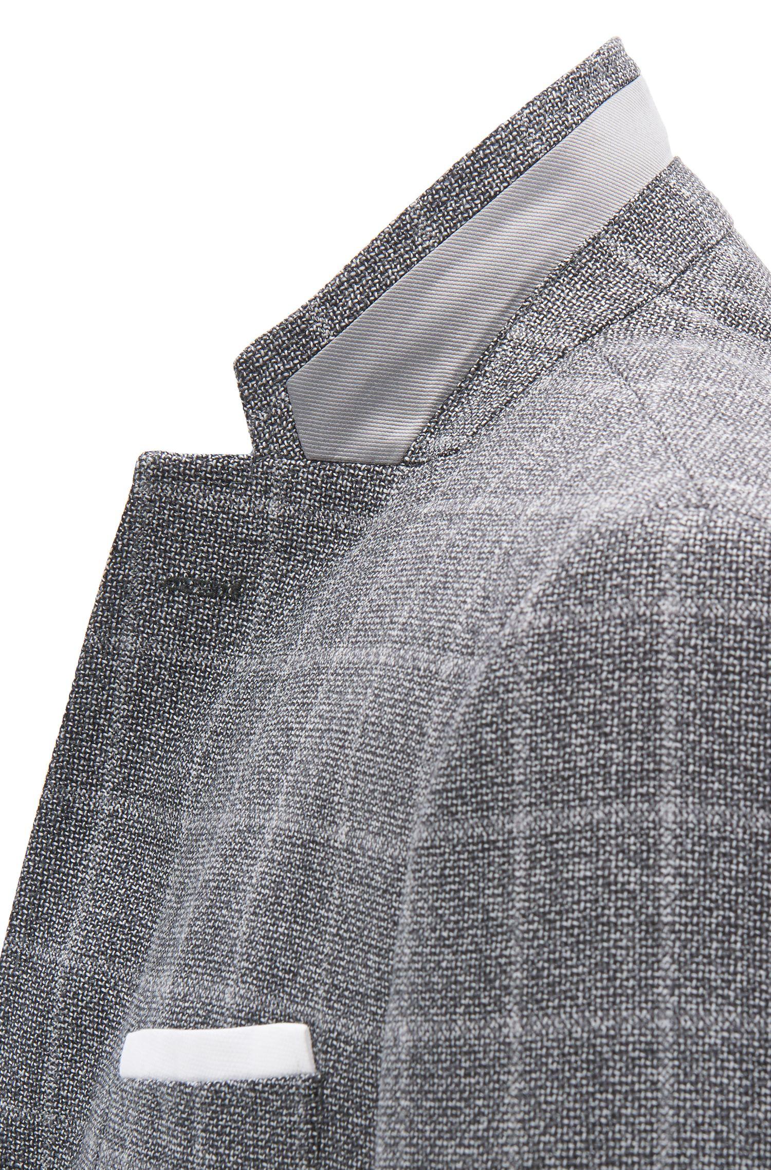 Blazer slim fit in lana vergine con pochette da taschino a contrasto