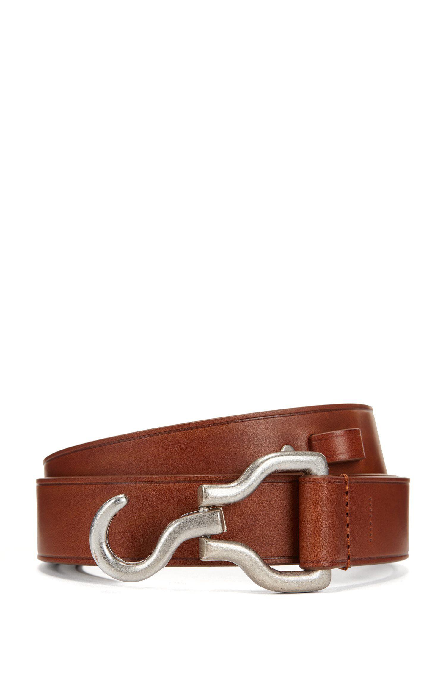 Cintura con chiusura a gancio in pelle liscia realizzata in Italia