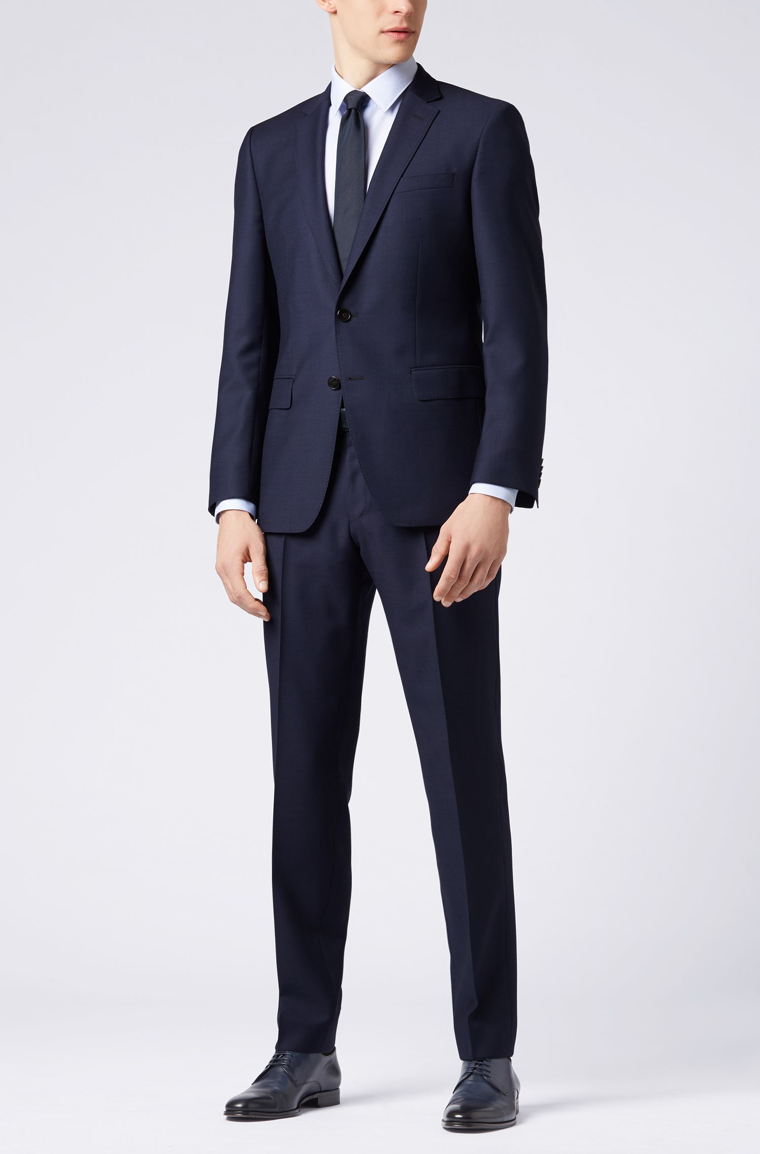 Slim-Fit Anzug aus Schurwolle mit AMF-Nähten