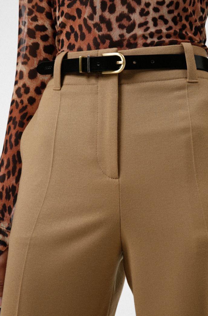 Cinturón de piel italiana con trabillas metálicas dobles